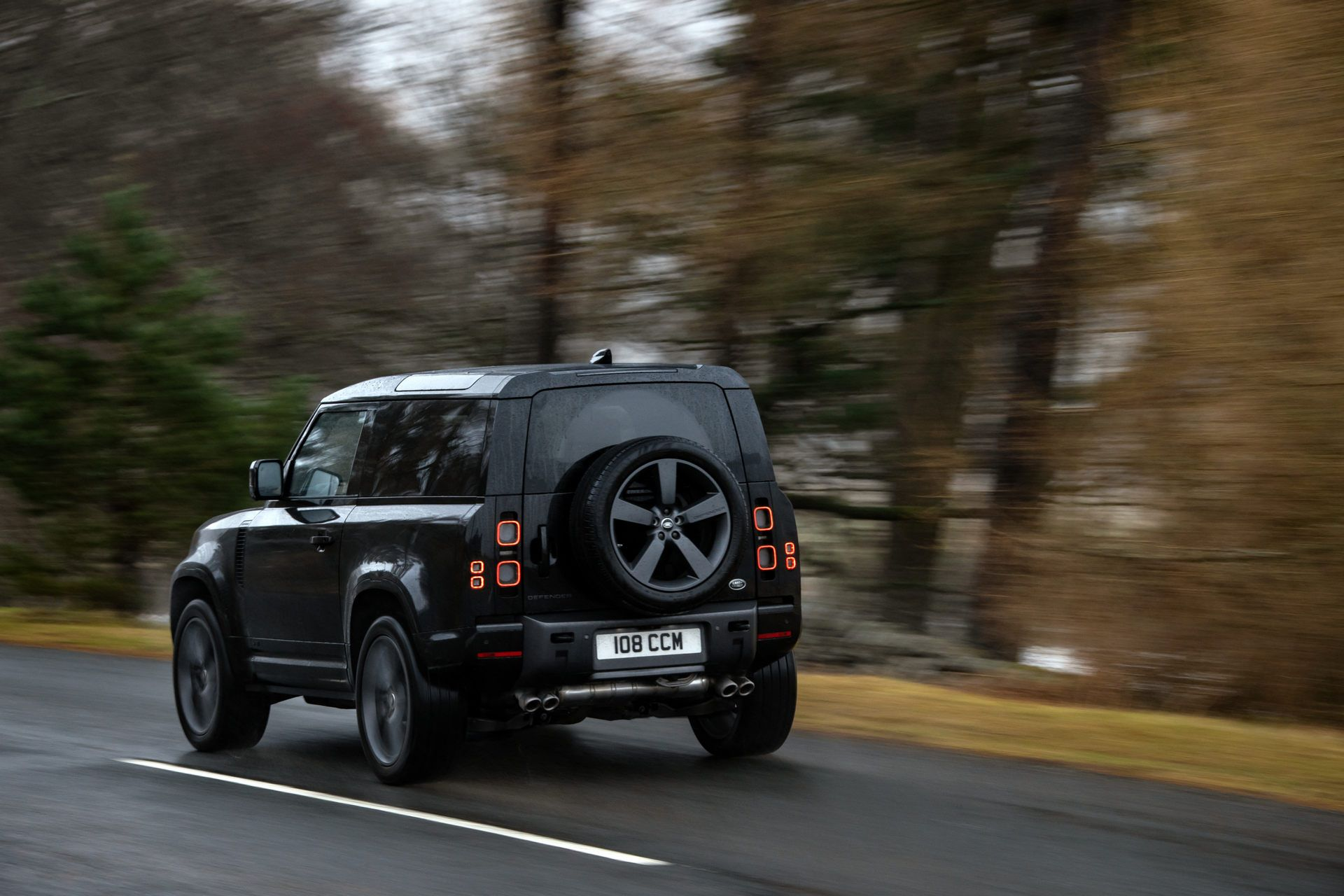 Land-Rover-Defender-V8-48