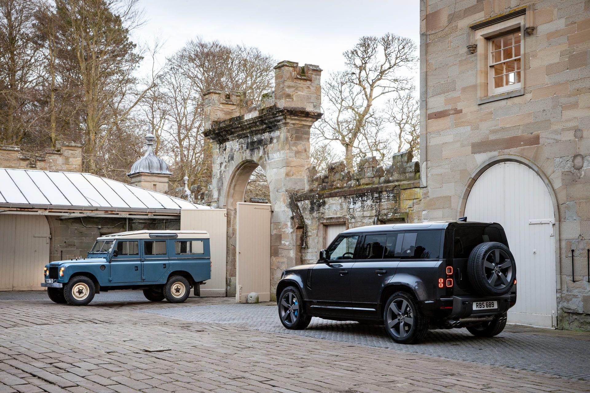 Land-Rover-Defender-V8-5