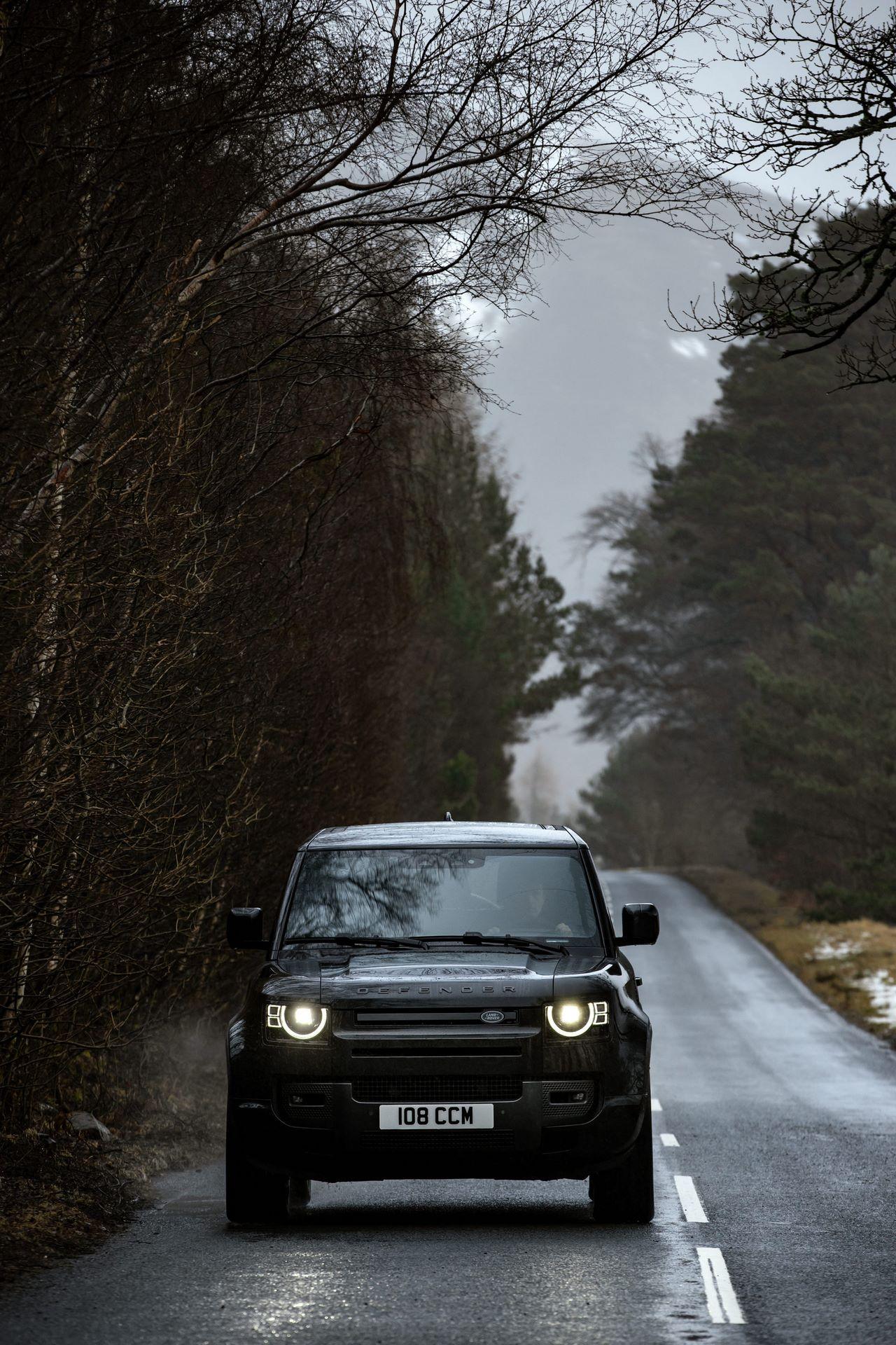 Land-Rover-Defender-V8-55