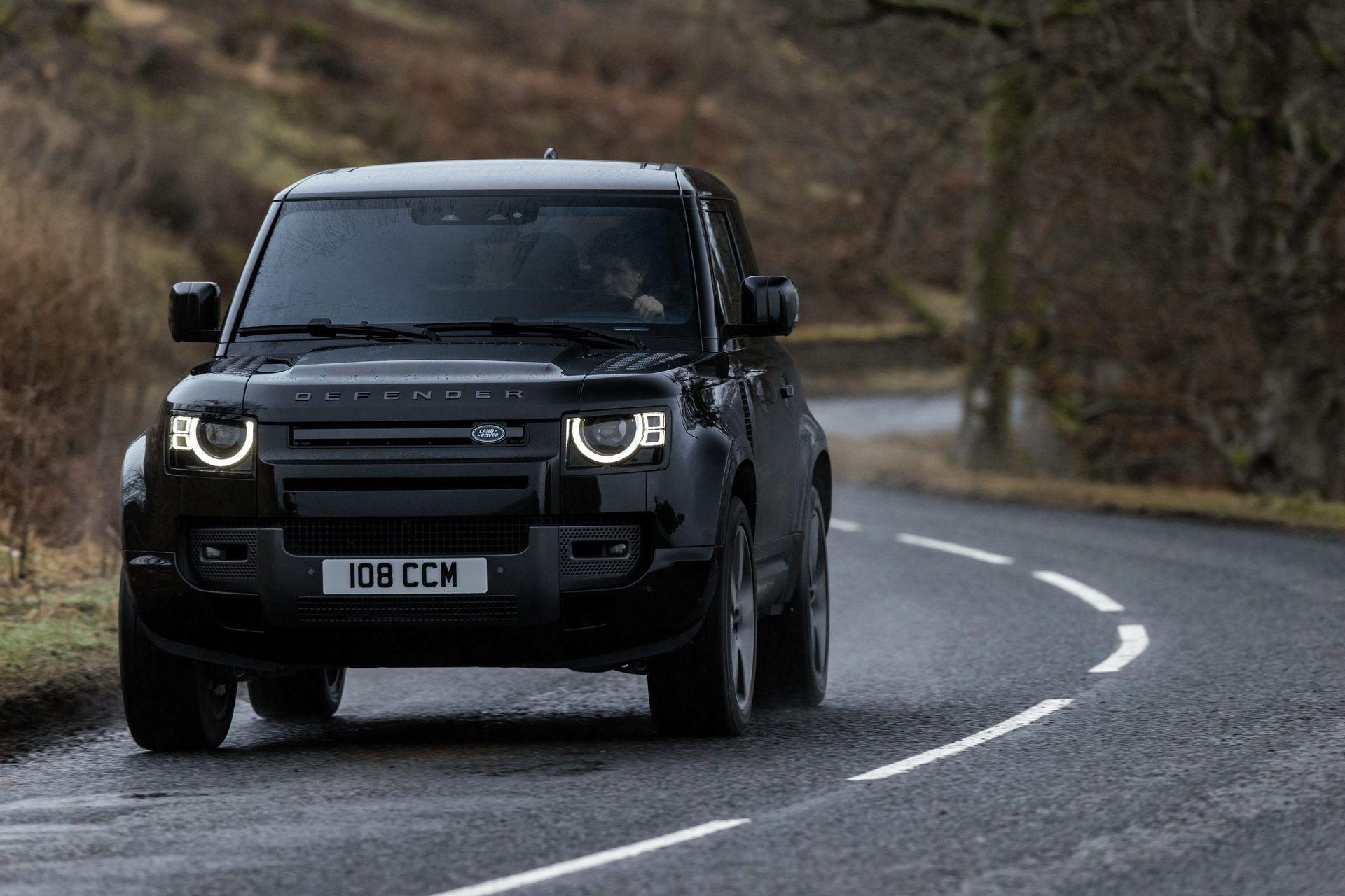 Land-Rover-Defender-V8-56