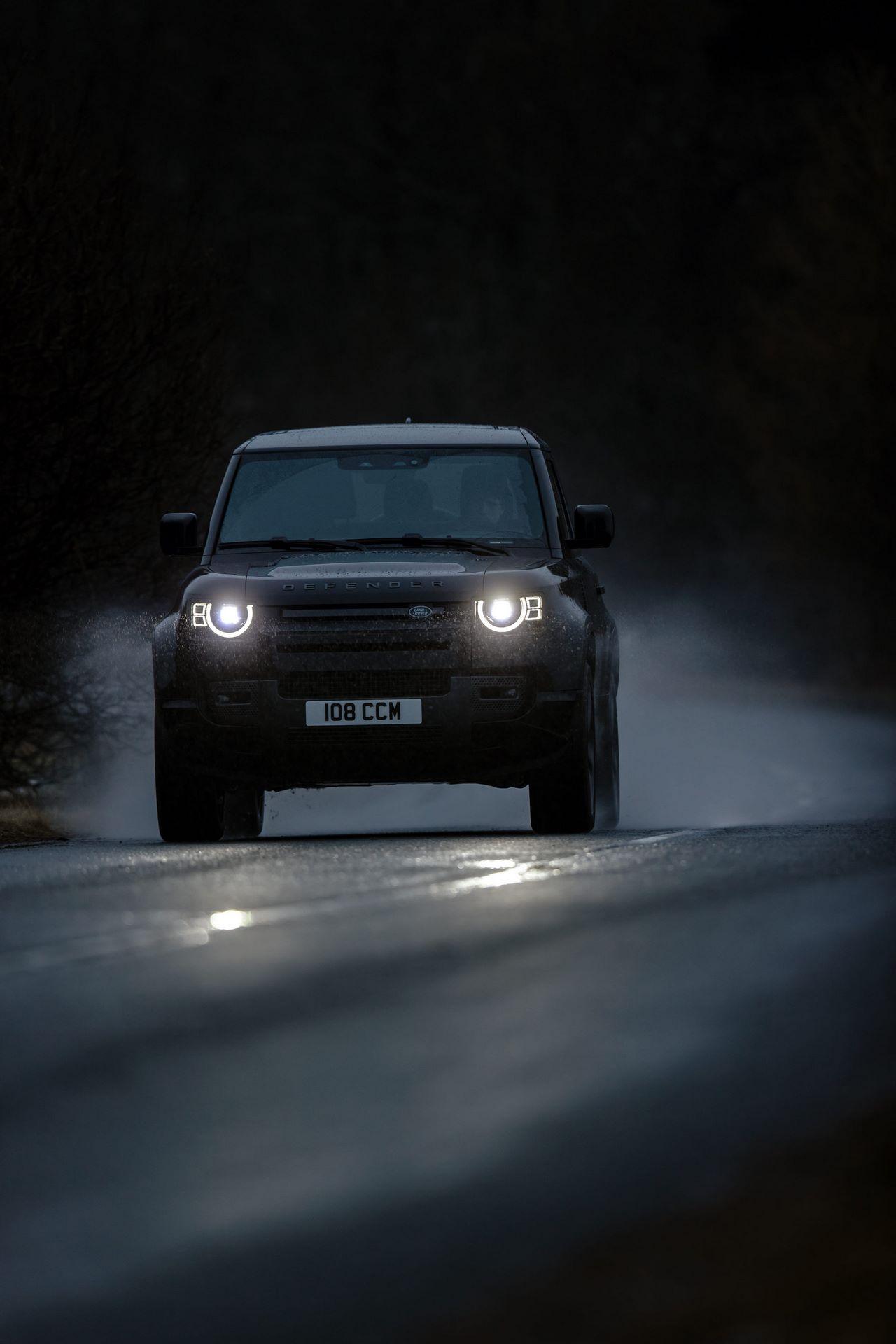 Land-Rover-Defender-V8-57