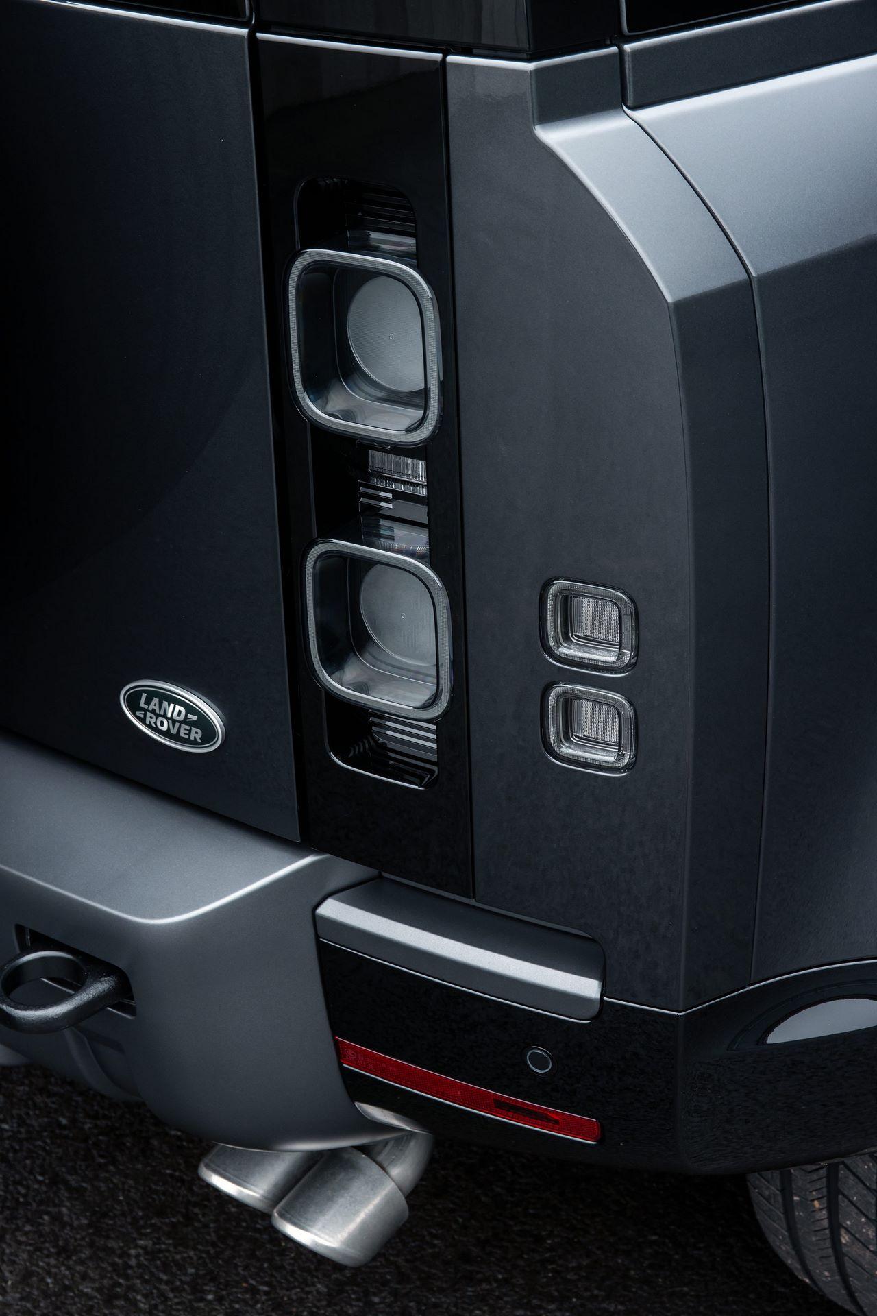 Land-Rover-Defender-V8-62
