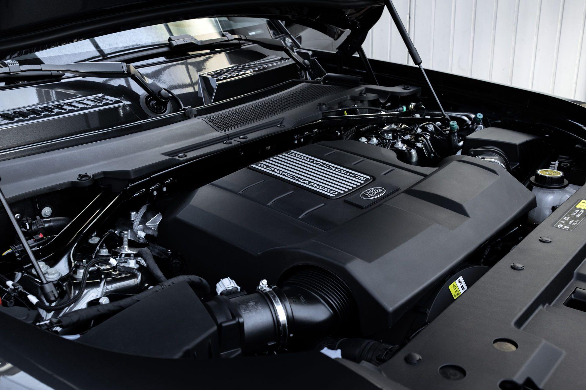 Land-Rover-Defender-V8-65