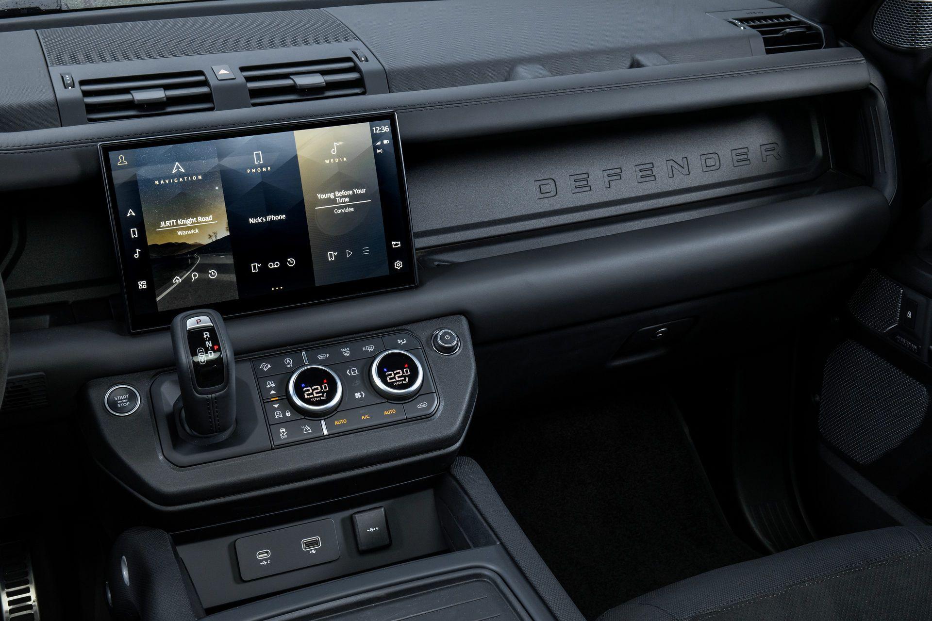 Land-Rover-Defender-V8-68
