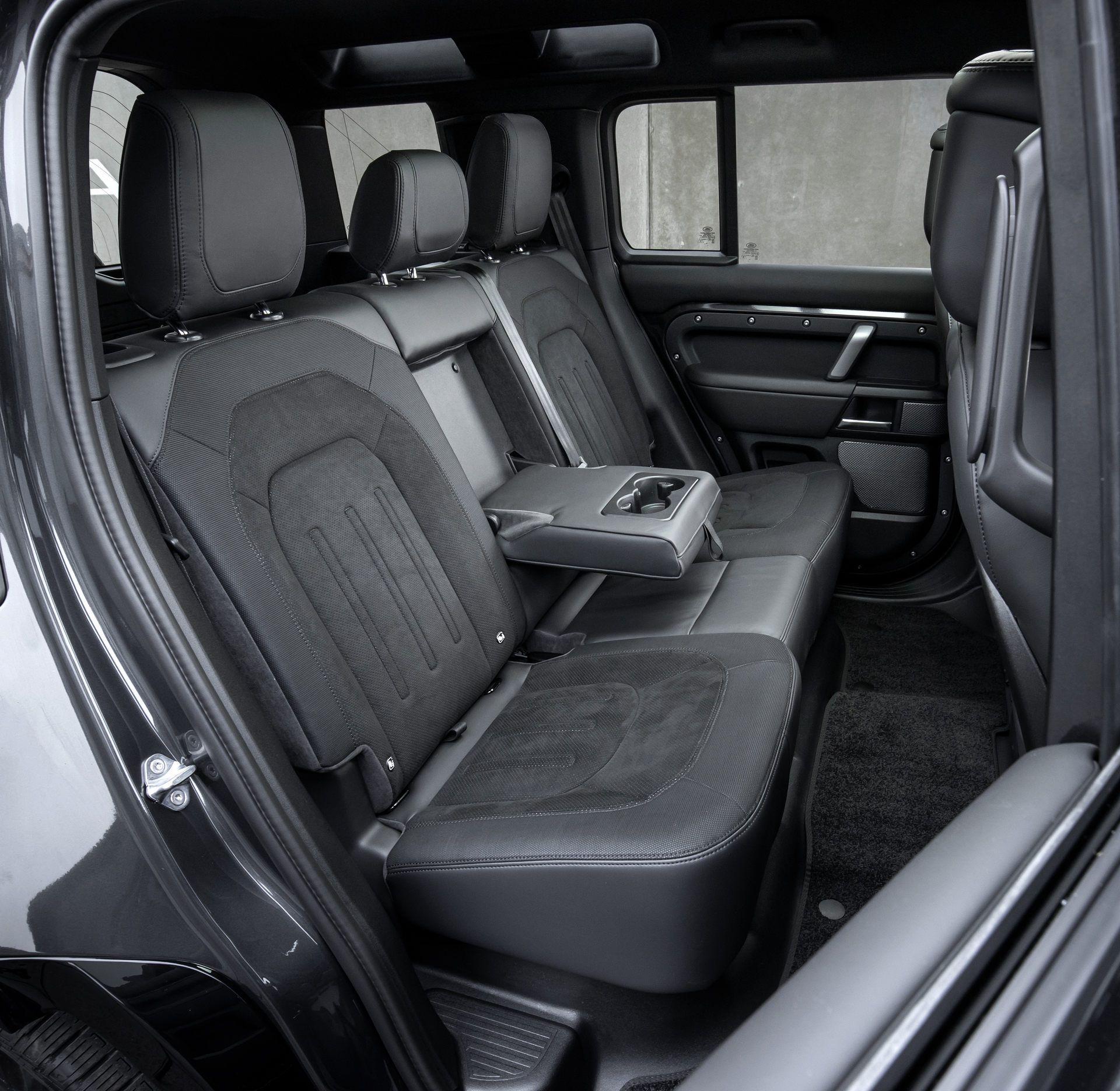 Land-Rover-Defender-V8-74