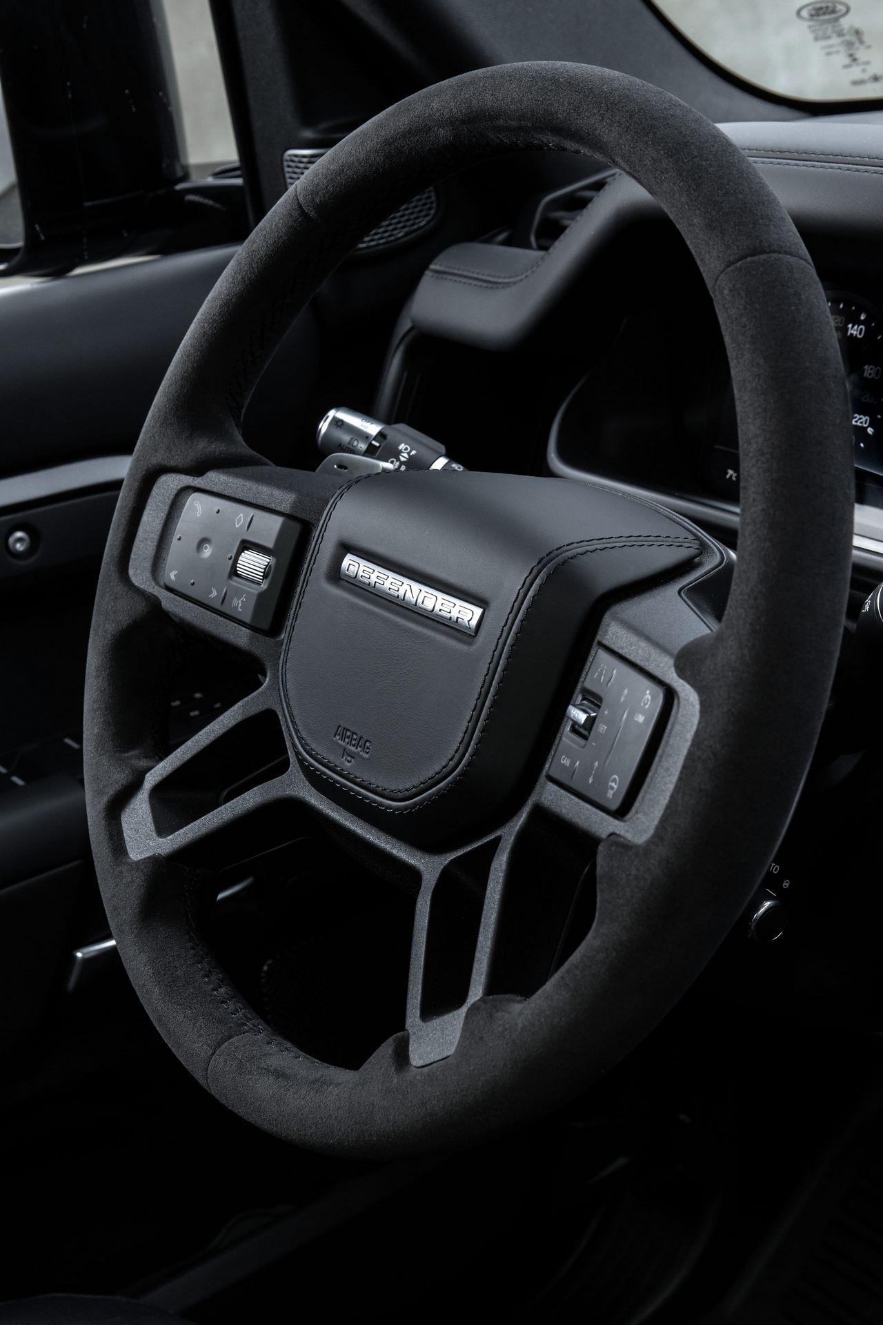 Land-Rover-Defender-V8-75
