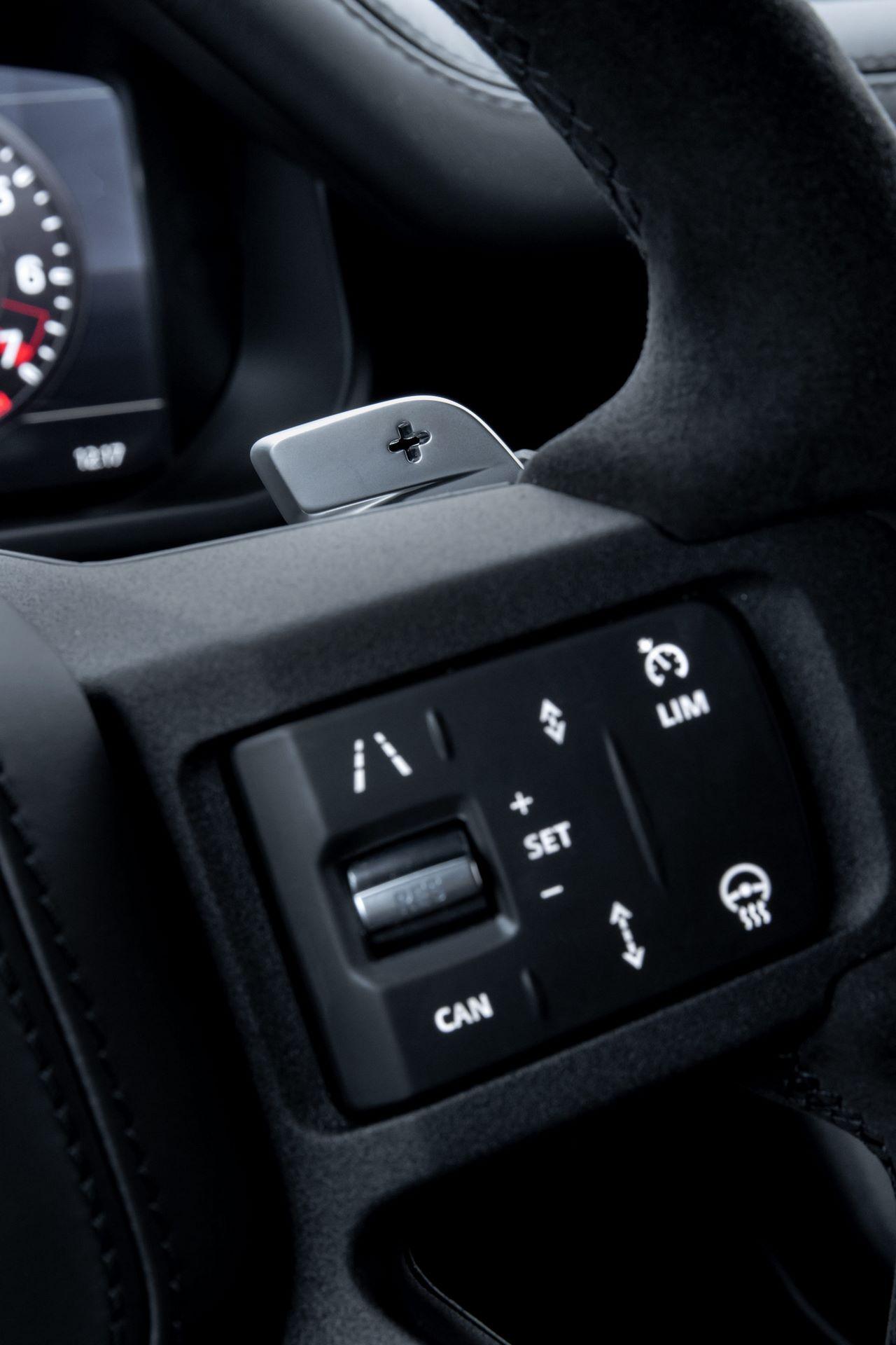 Land-Rover-Defender-V8-80