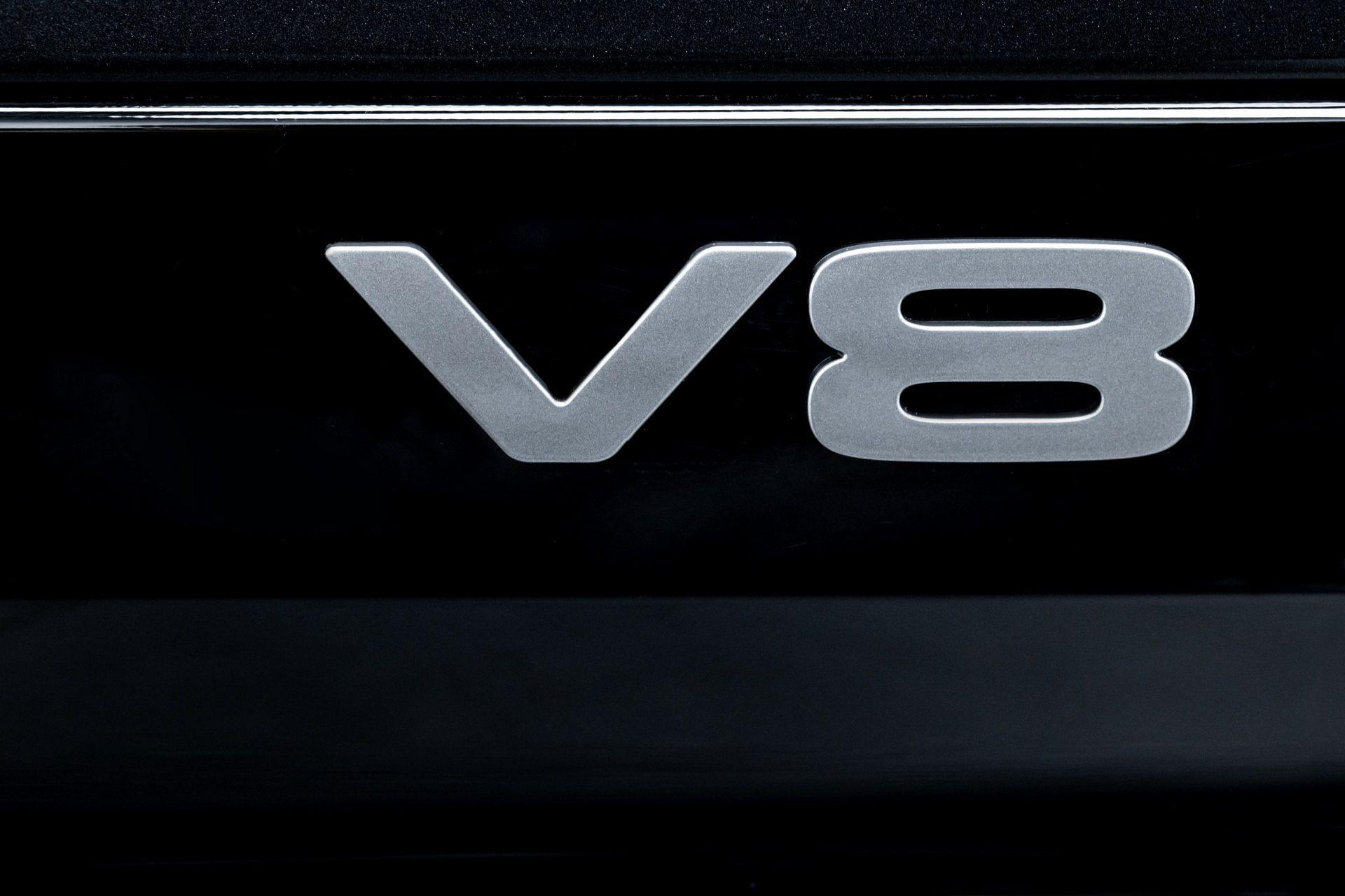 Land-Rover-Defender-V8-83