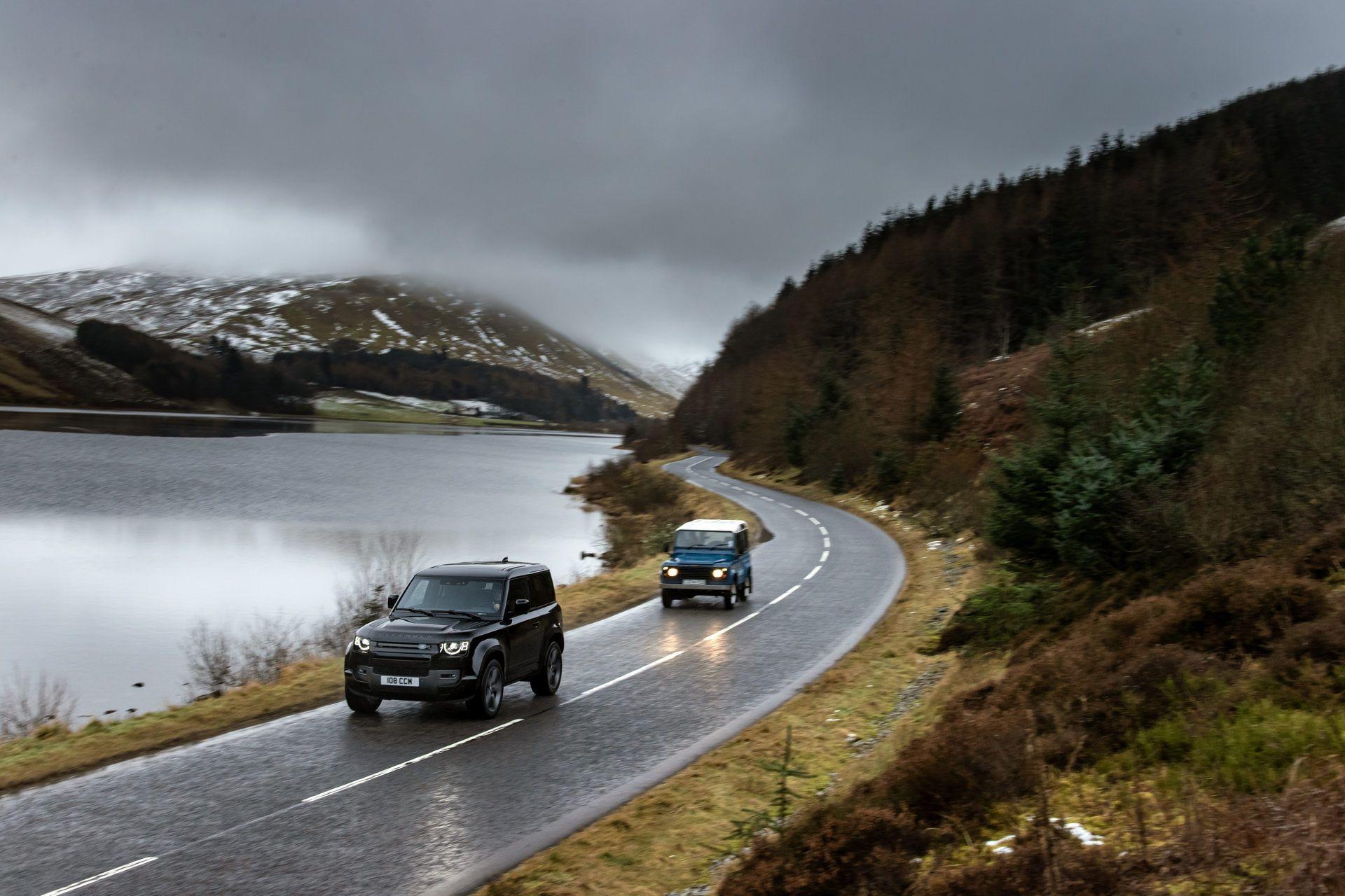 Land-Rover-Defender-V8-9