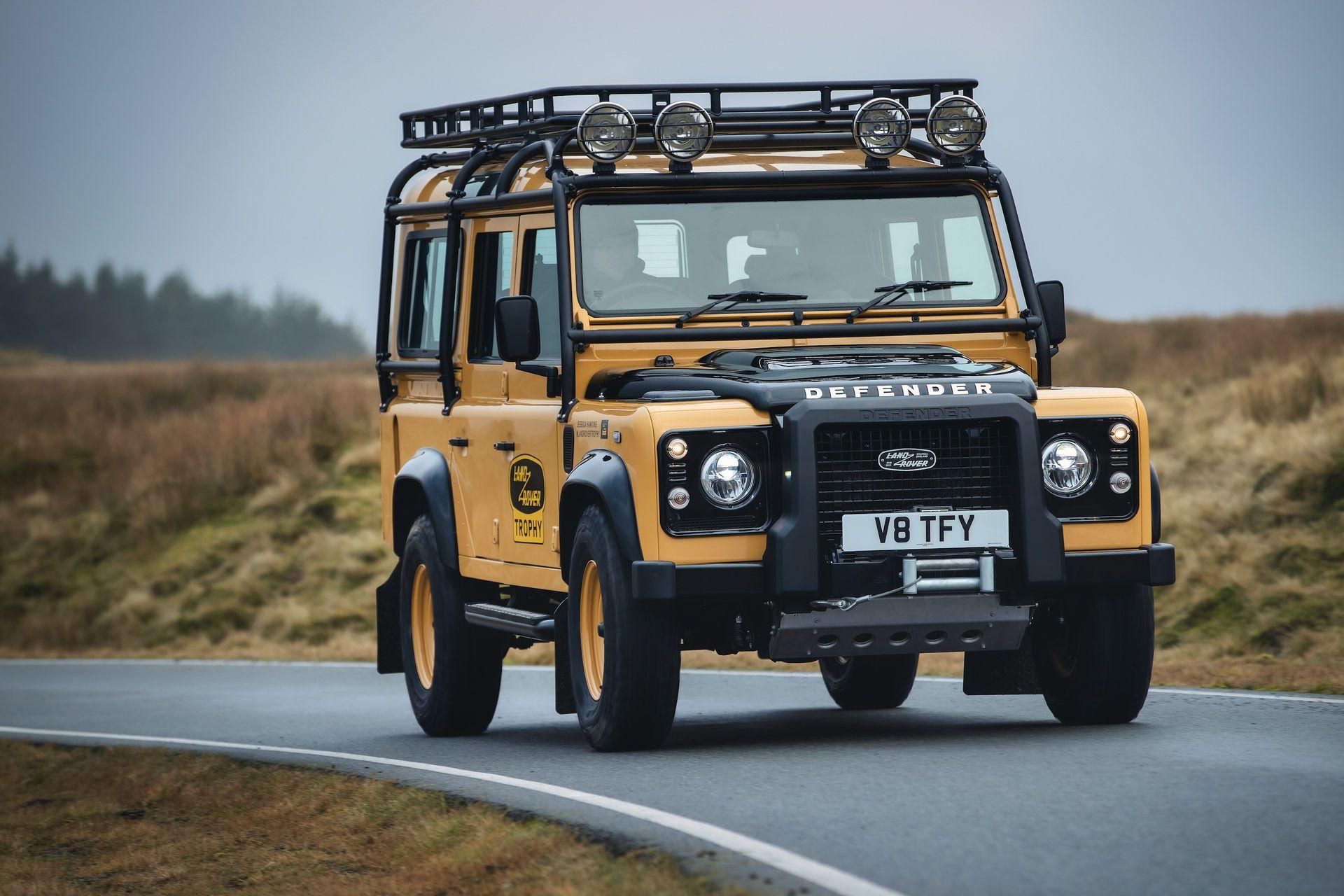 Land-Rover-Defender-Works-V8-Trophy-11