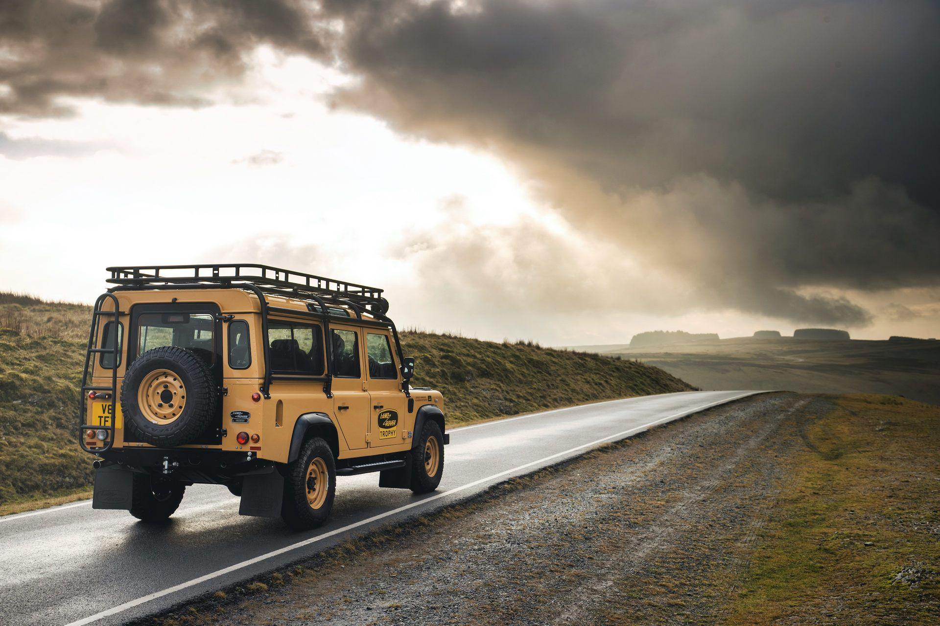 Land-Rover-Defender-Works-V8-Trophy-12
