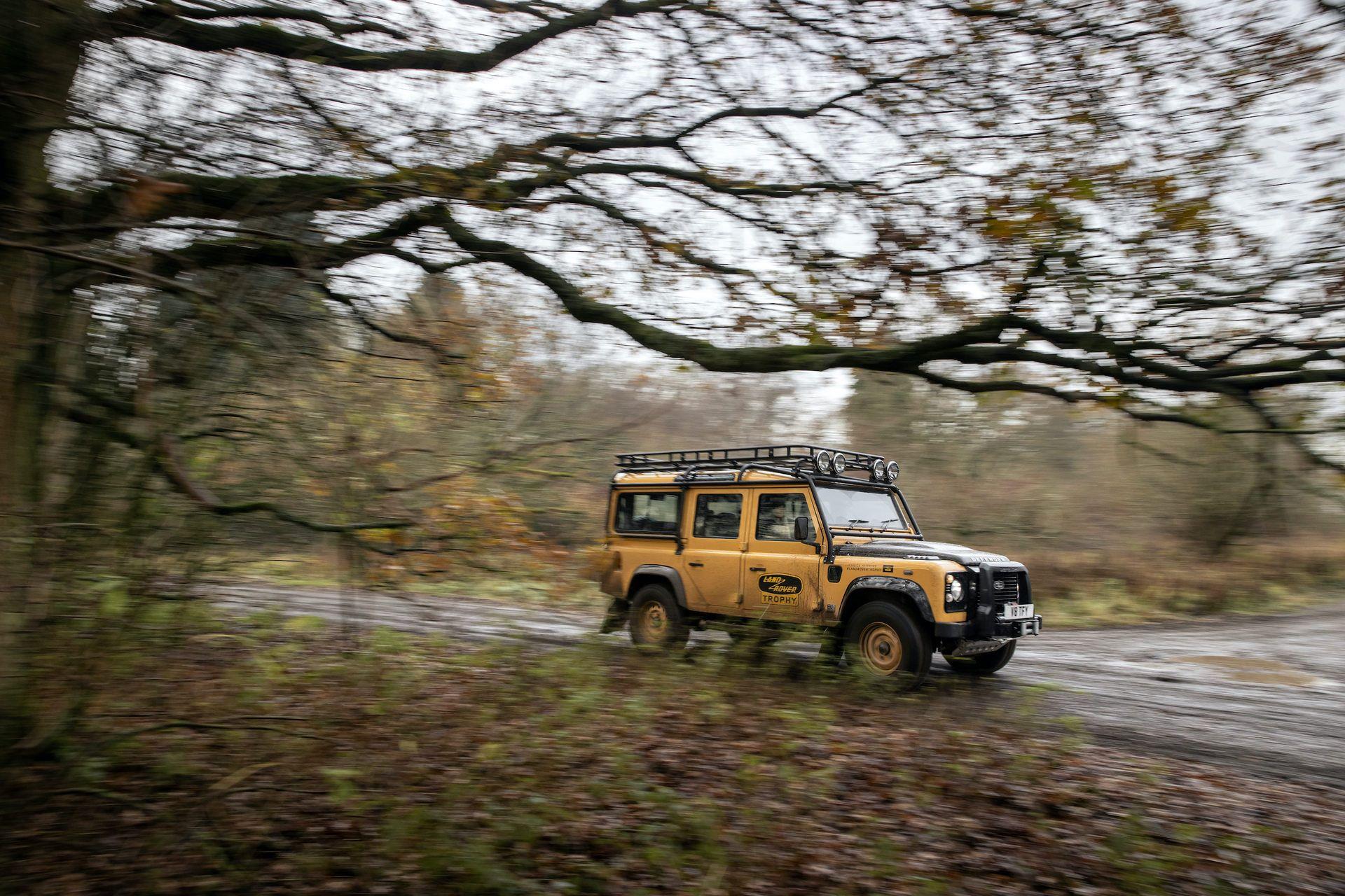 Land-Rover-Defender-Works-V8-Trophy-16