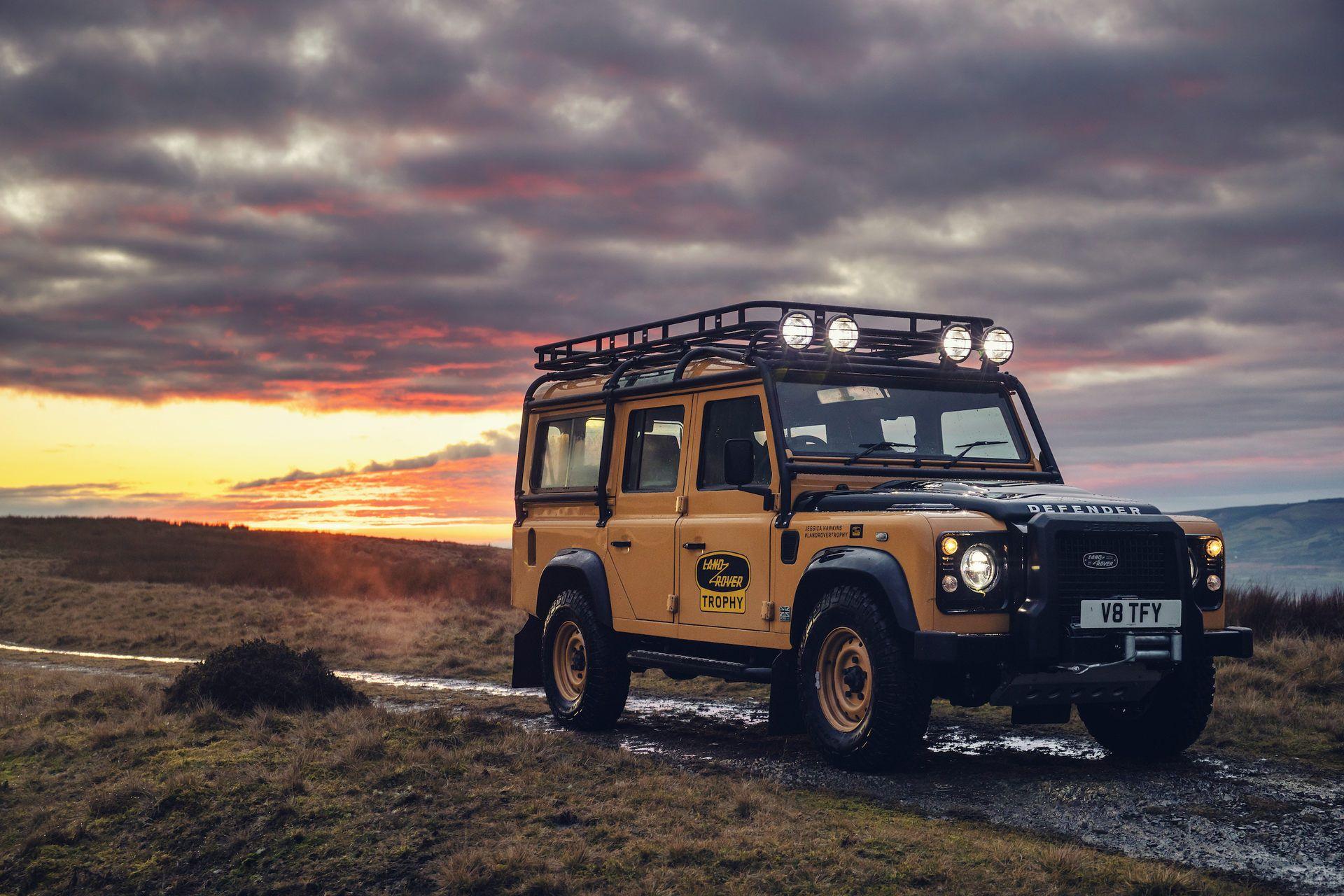Land-Rover-Defender-Works-V8-Trophy-2