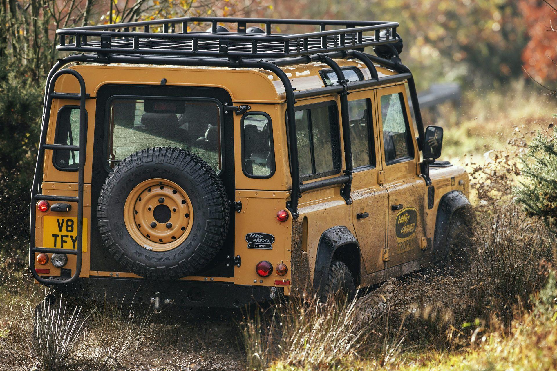 Land-Rover-Defender-Works-V8-Trophy-20