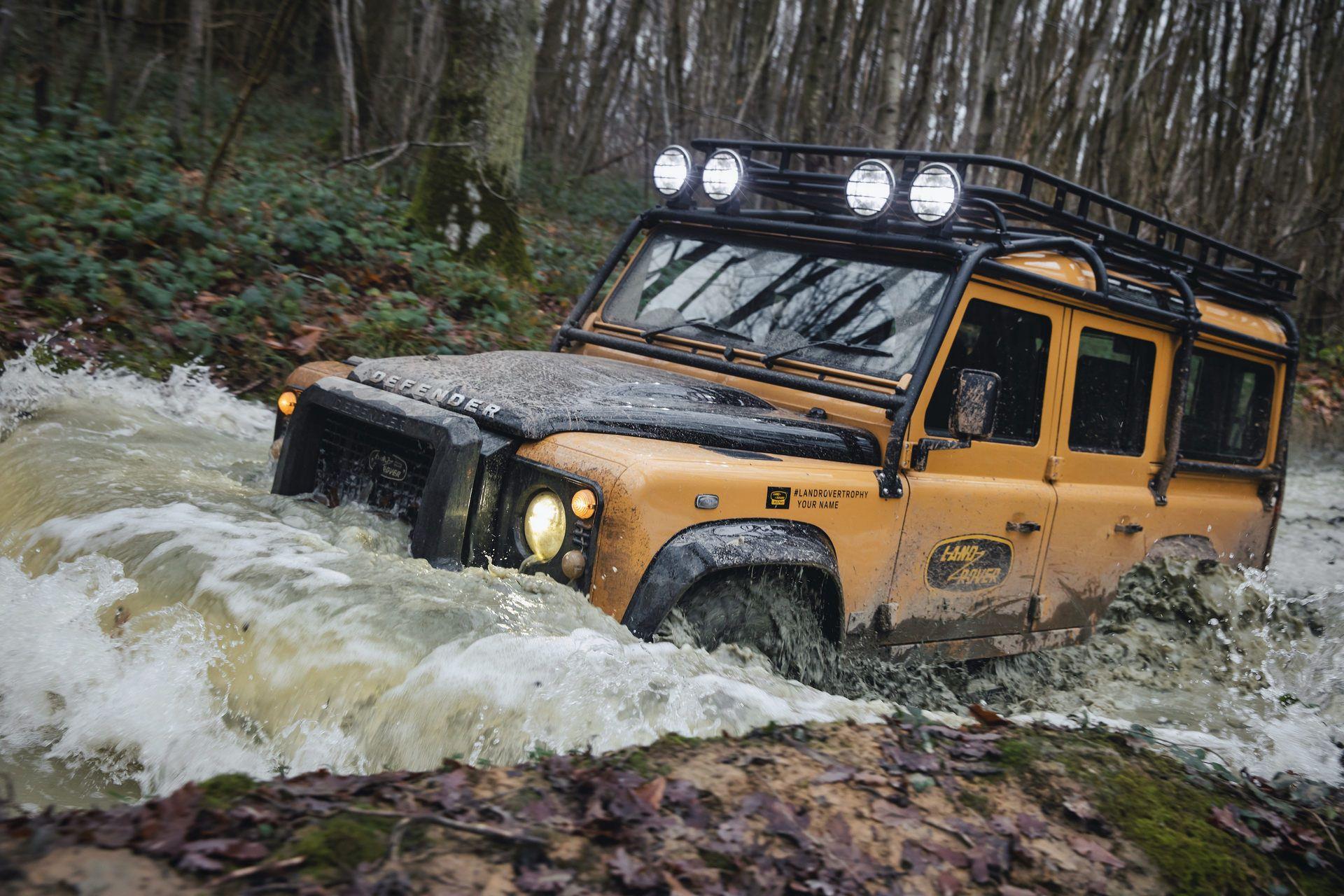 Land-Rover-Defender-Works-V8-Trophy-25