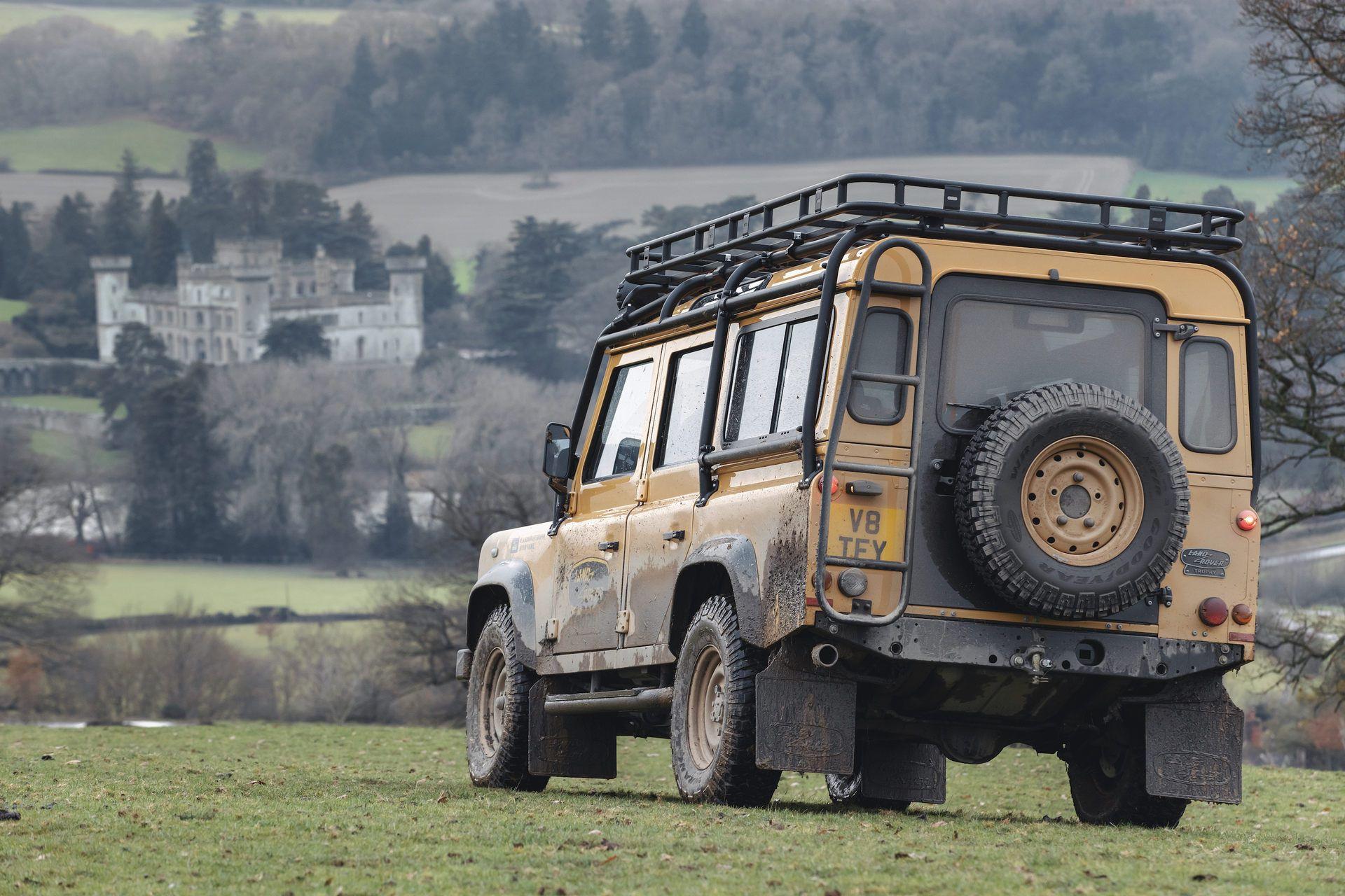 Land-Rover-Defender-Works-V8-Trophy-29
