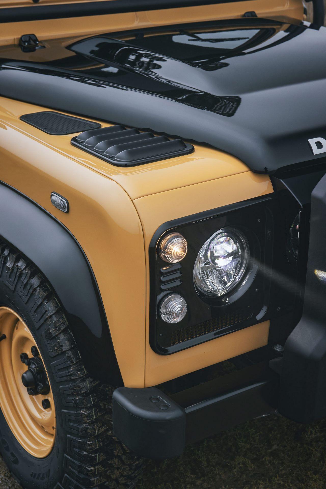 Land-Rover-Defender-Works-V8-Trophy-30