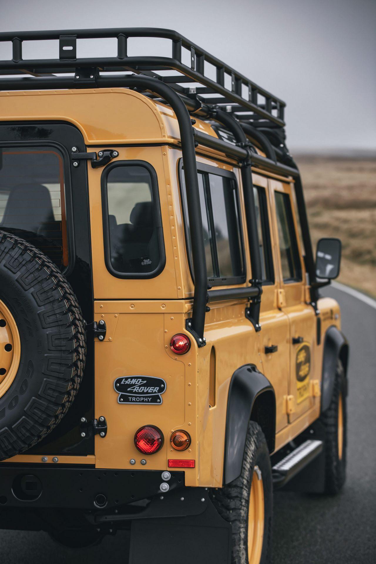 Land-Rover-Defender-Works-V8-Trophy-31