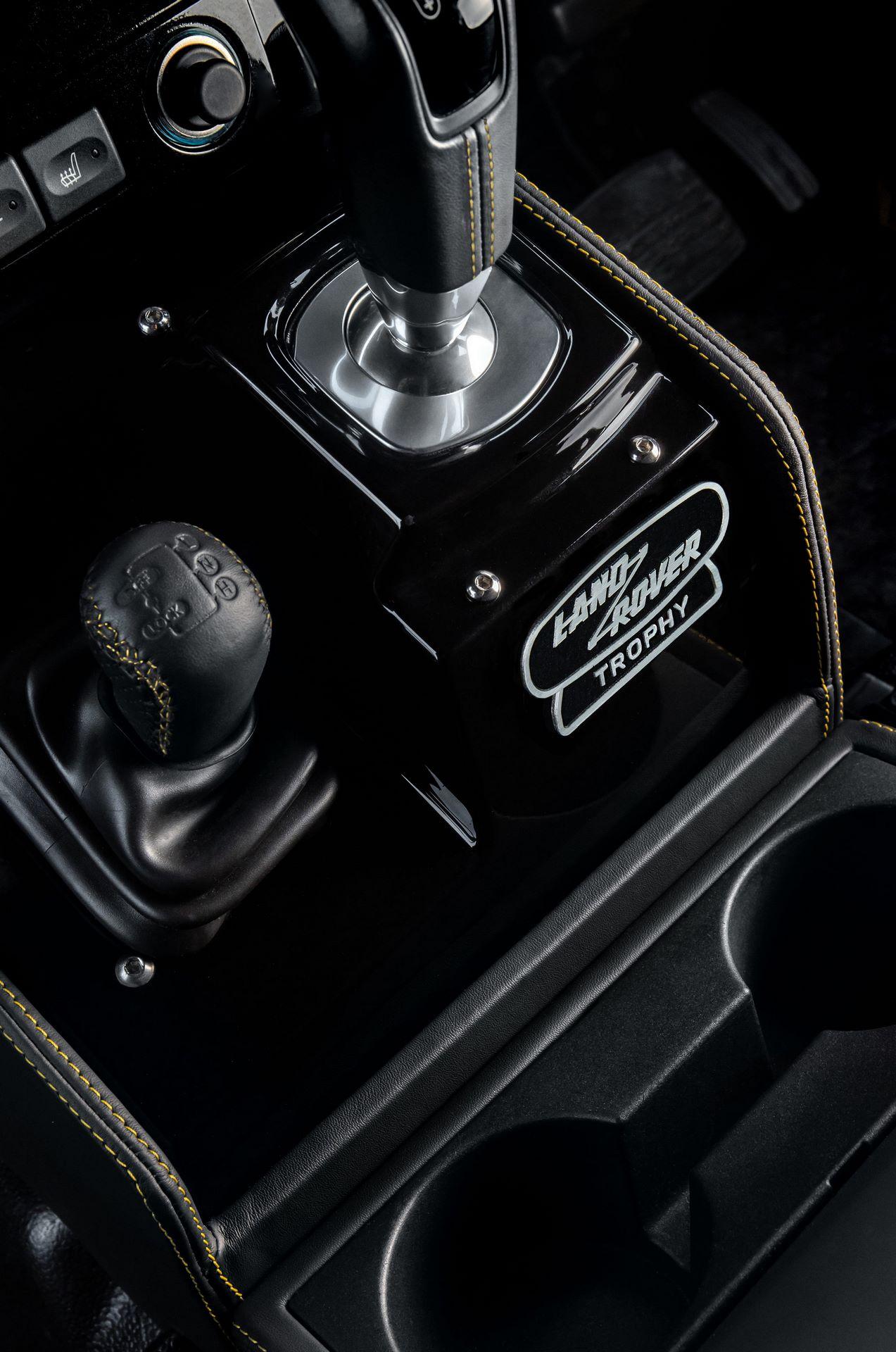 Land-Rover-Defender-Works-V8-Trophy-34
