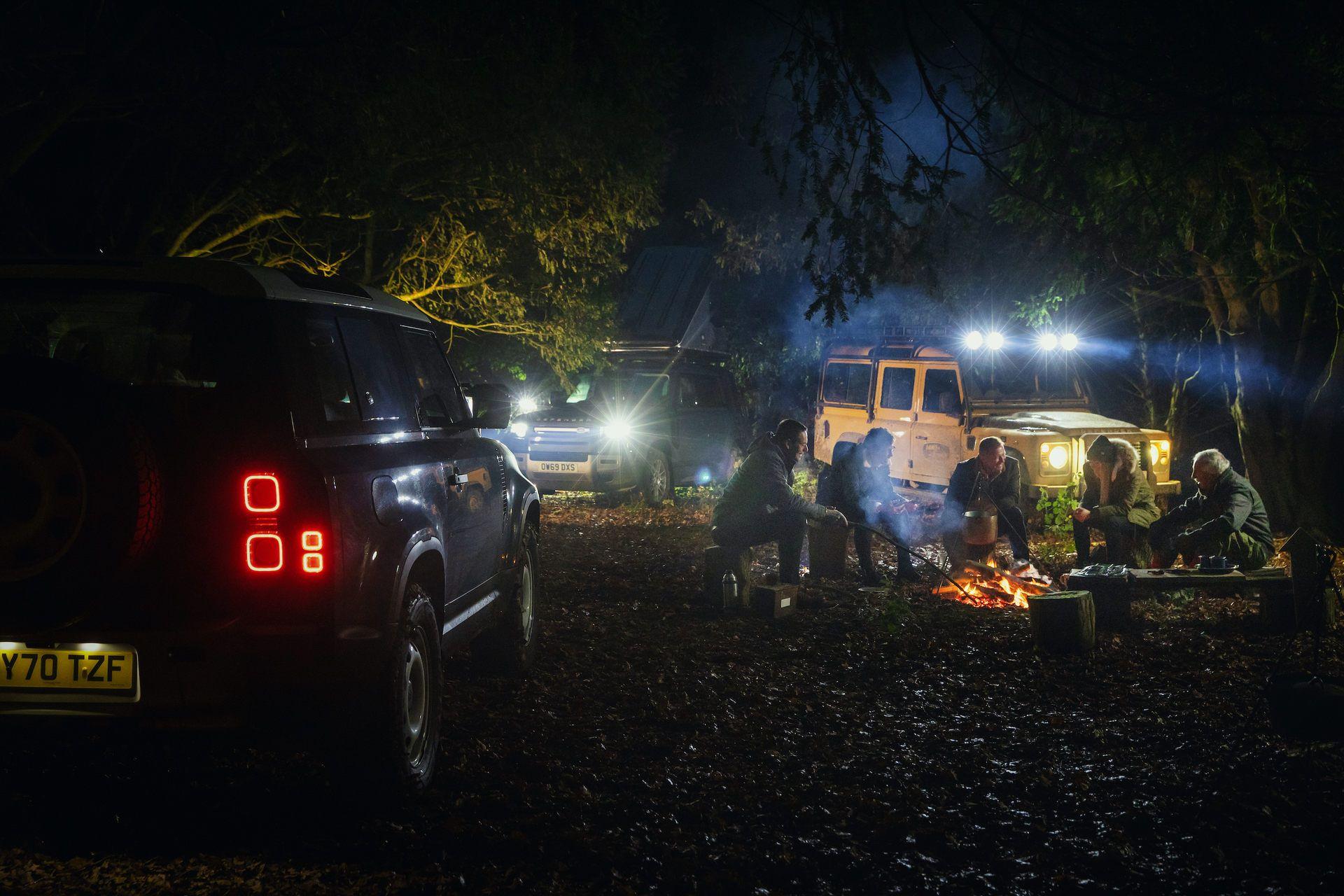 Land-Rover-Defender-Works-V8-Trophy-39