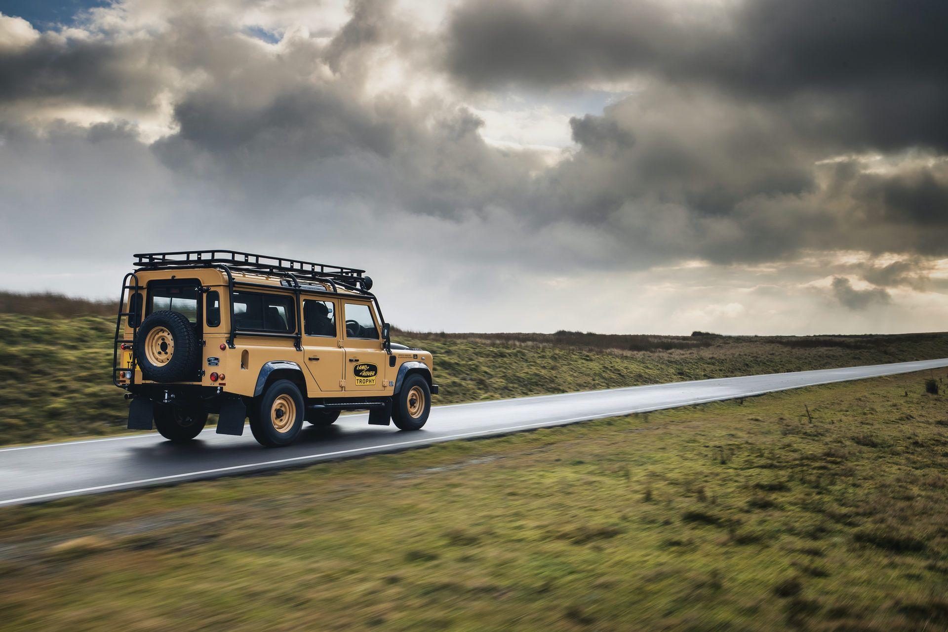 Land-Rover-Defender-Works-V8-Trophy-7