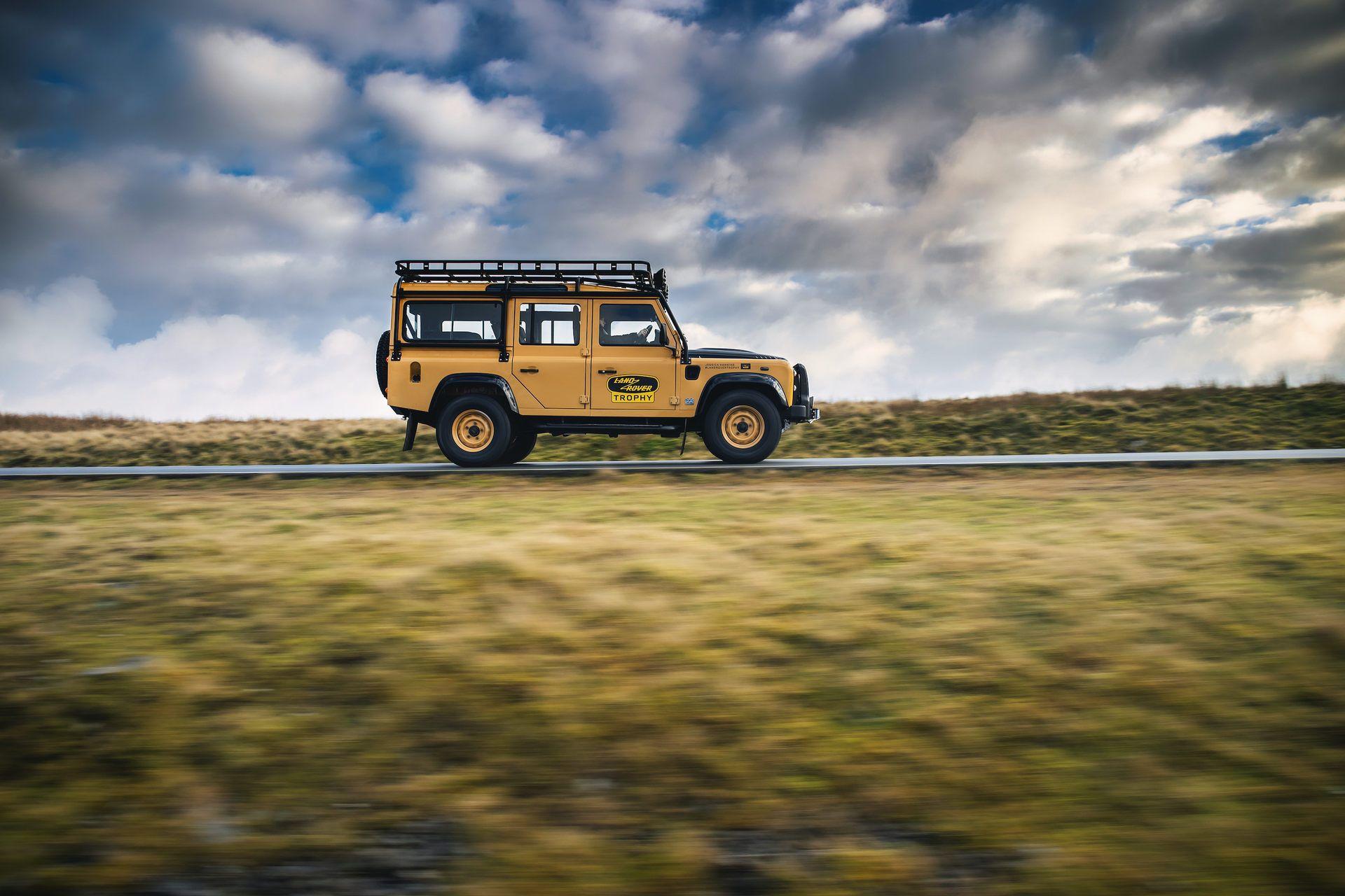 Land-Rover-Defender-Works-V8-Trophy-8