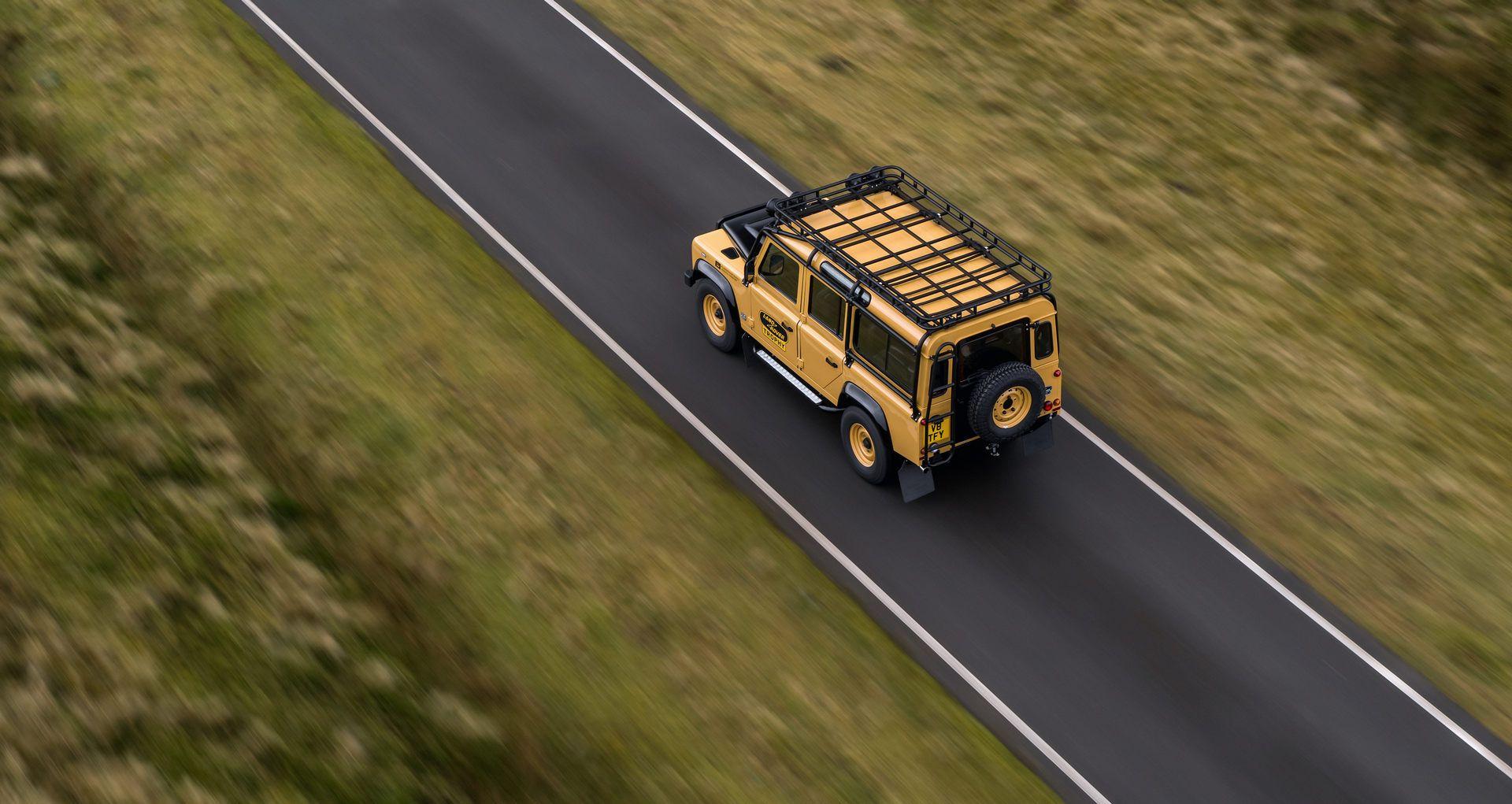 Land-Rover-Defender-Works-V8-Trophy-9