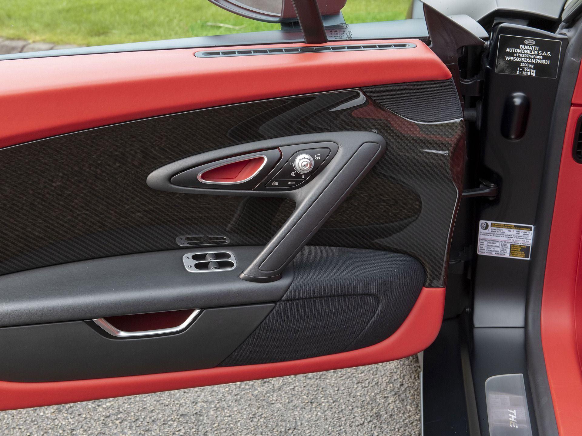 Last_Bugatti_Veyron_Super_Sport_sale-0036