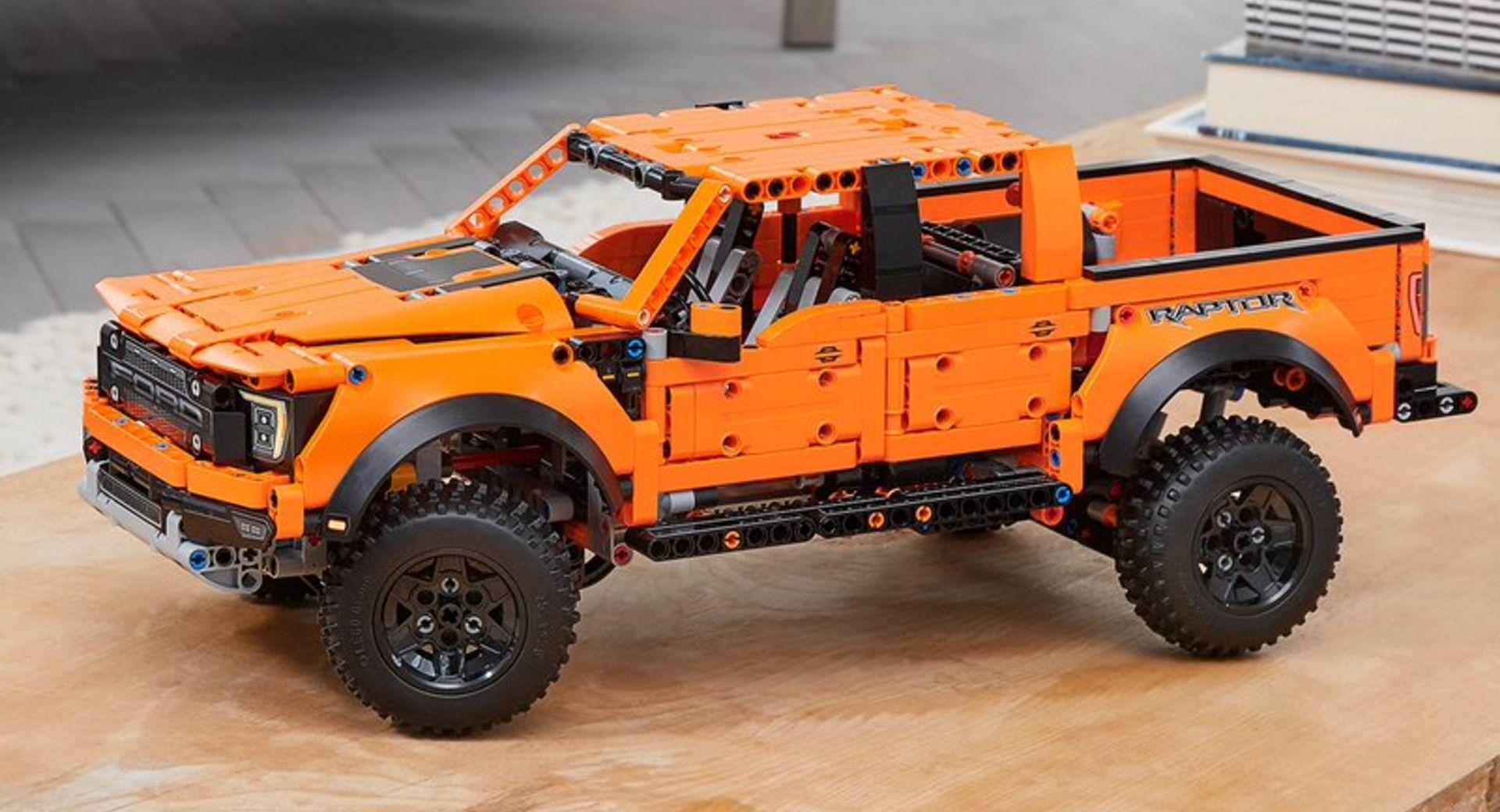 Lego-Technic-Ford-F-150-Raptor-1