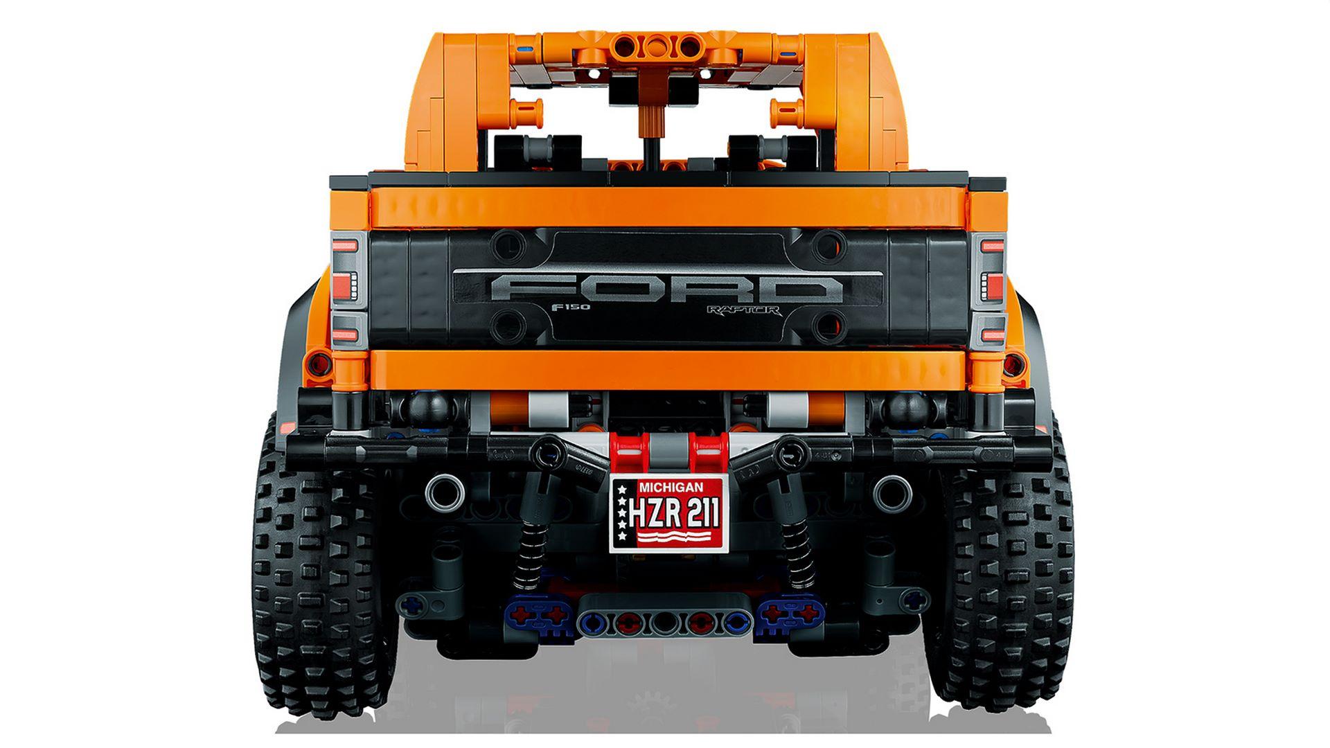 Lego-Technic-Ford-F-150-Raptor-6