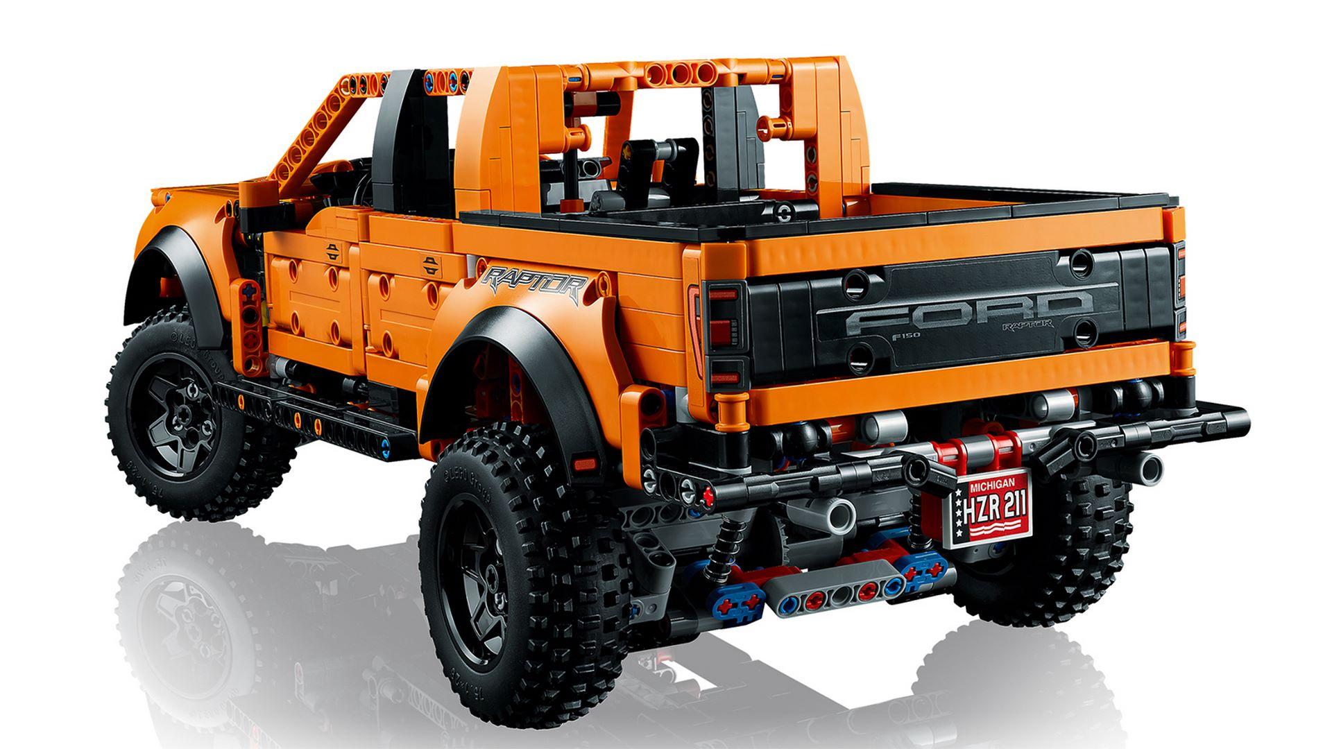 Lego-Technic-Ford-F-150-Raptor-7