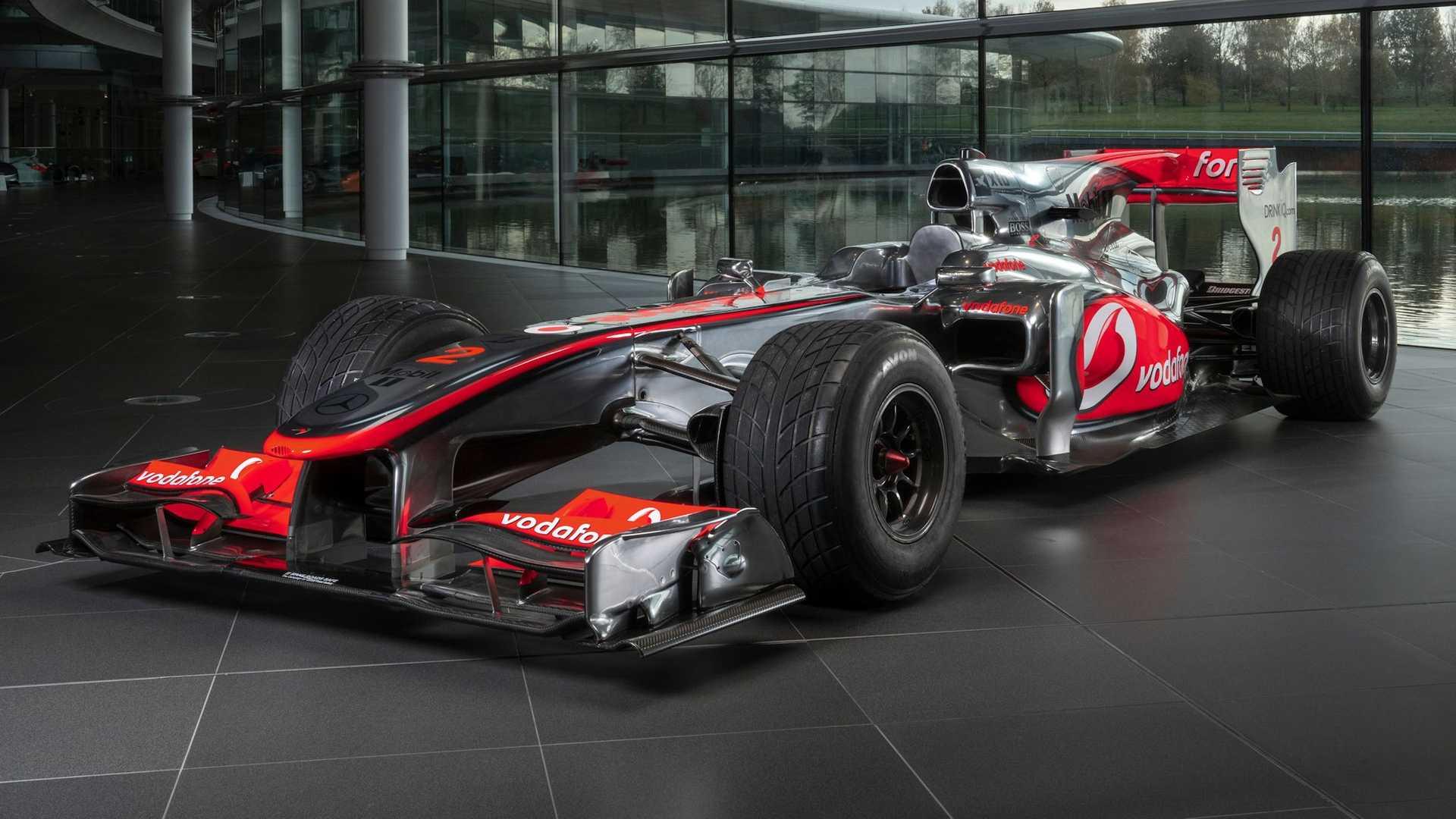 Lewis-Hamilton-McLaren-MP4-25A-auction-1