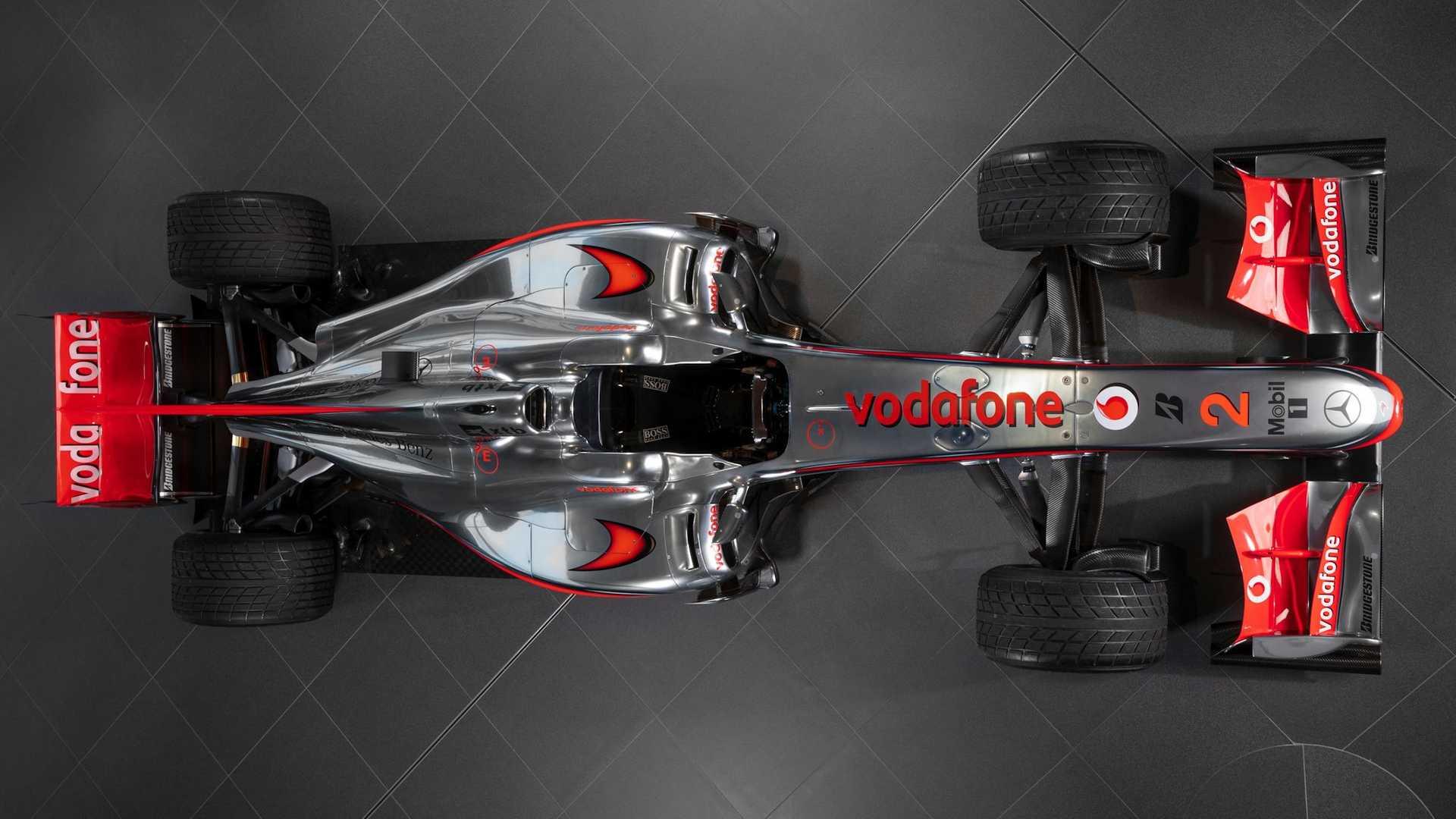Lewis-Hamilton-McLaren-MP4-25A-auction-3