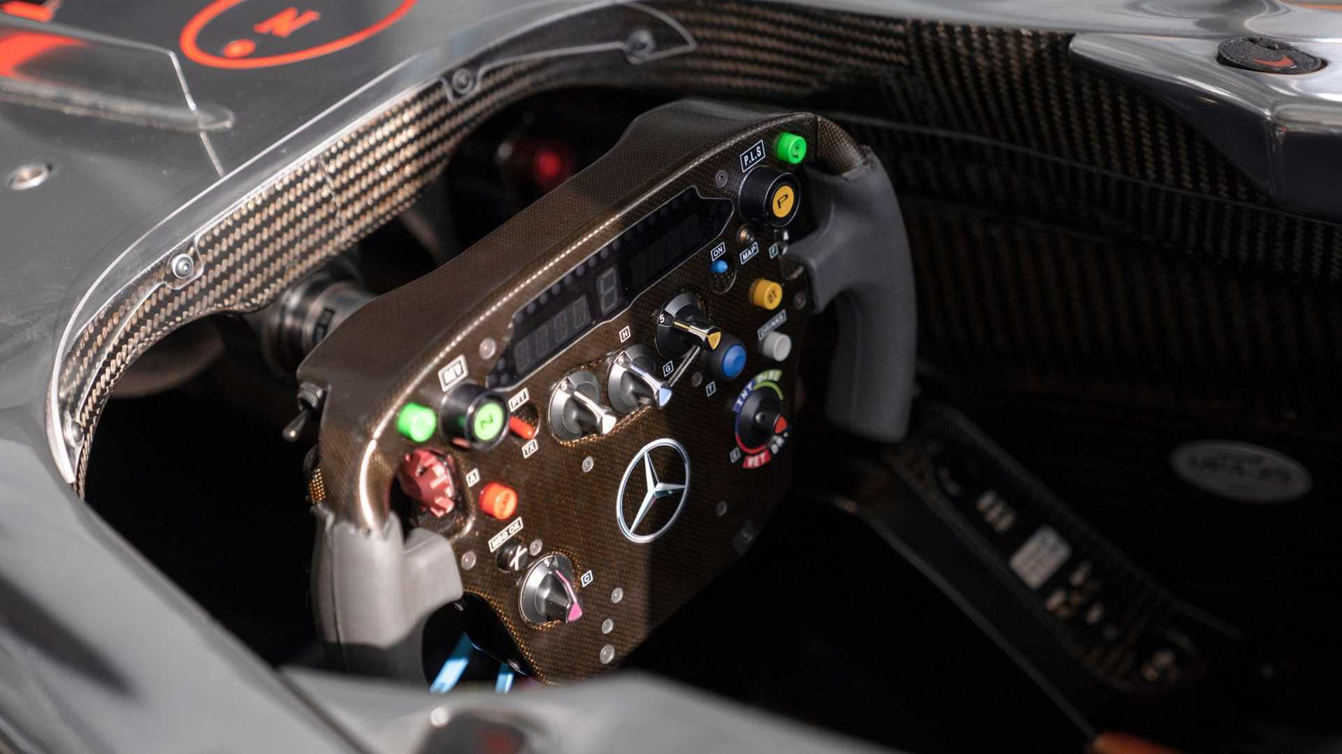 Lewis-Hamilton-McLaren-MP4-25A-auction-6
