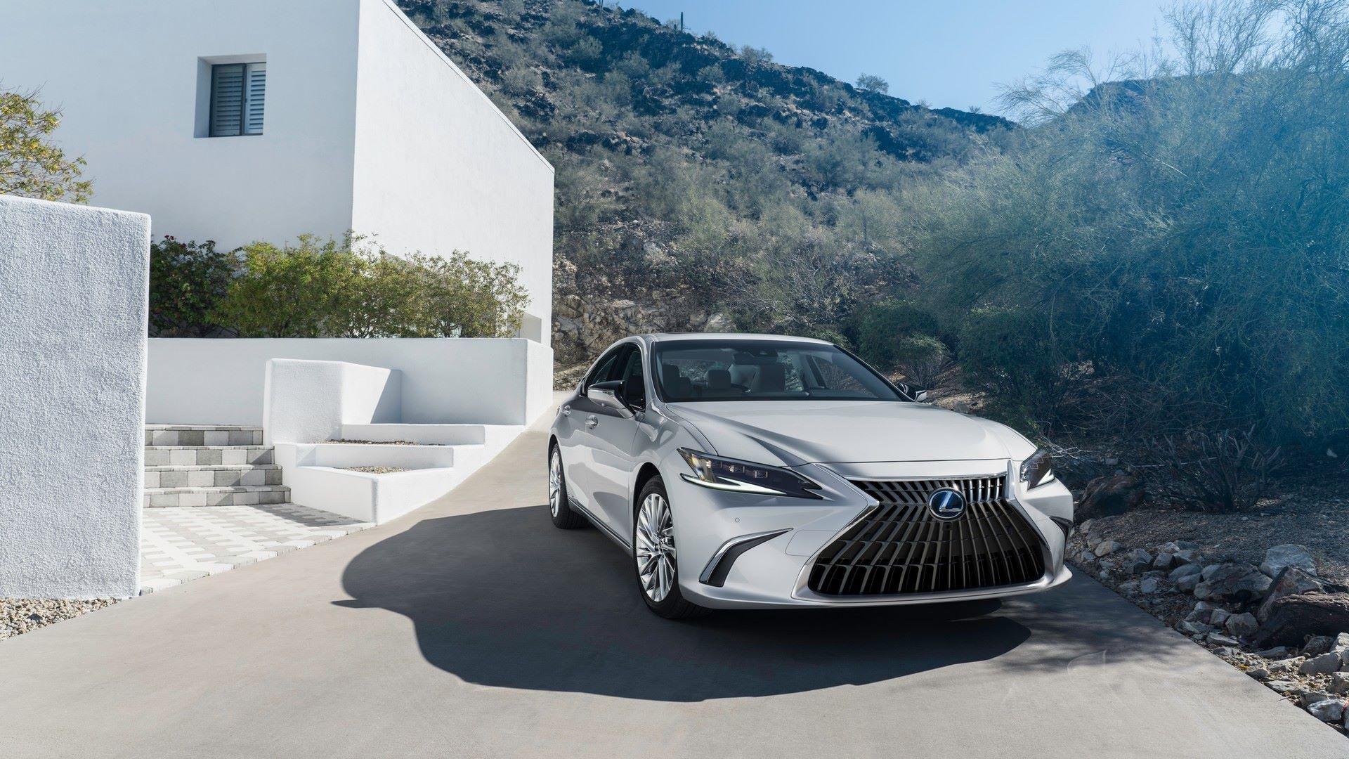 Lexus-ES-9