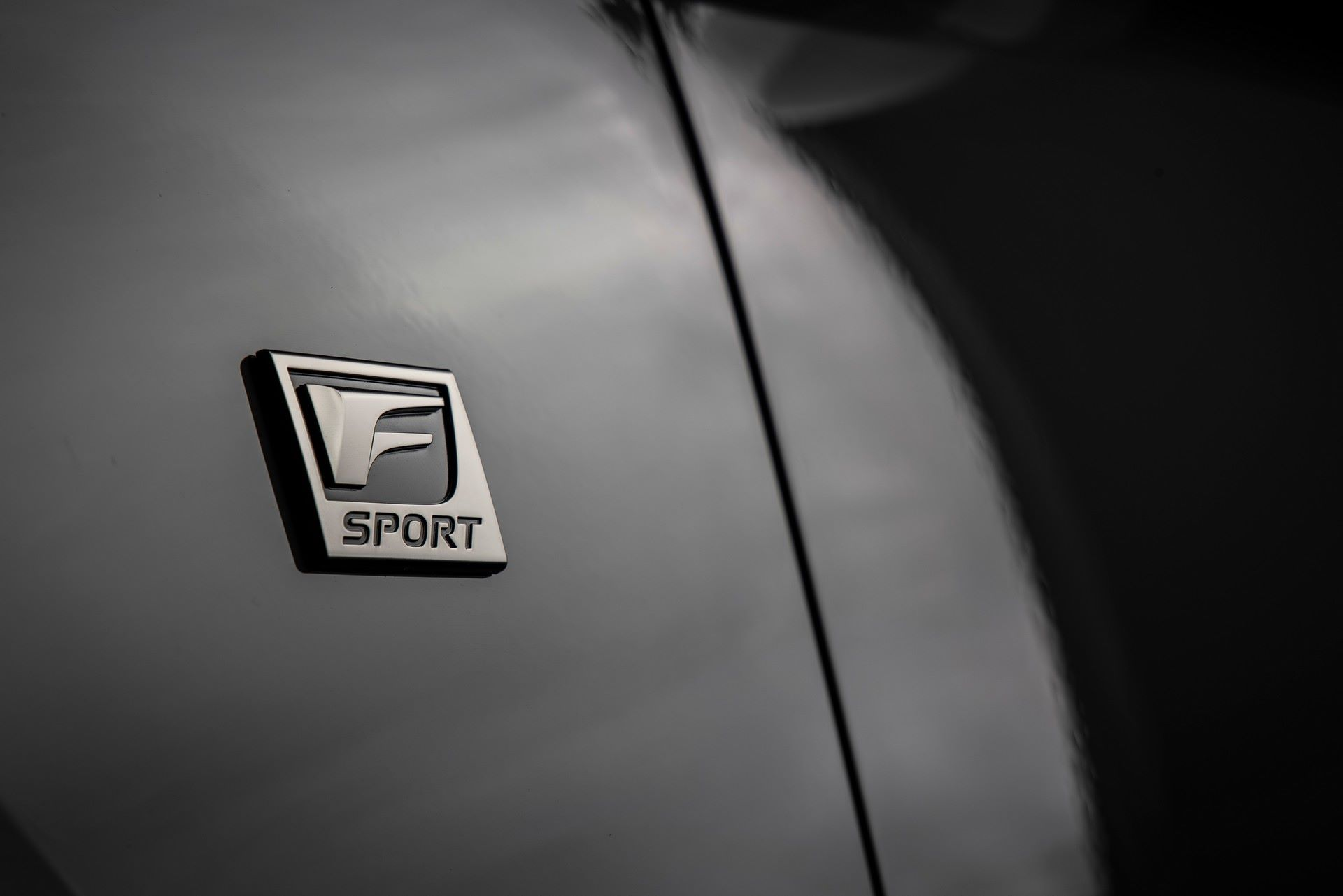 Lexus-IS-500-F-Sport-Performance-Launch-Edition-12