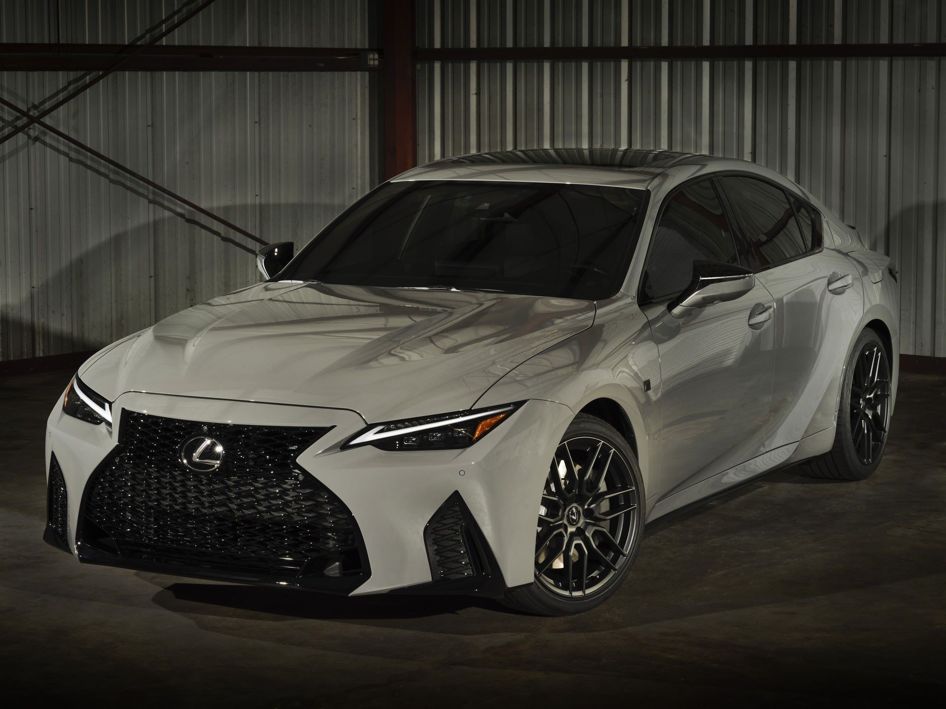 Lexus-IS-500-F-Sport-Performance-Launch-Edition-2