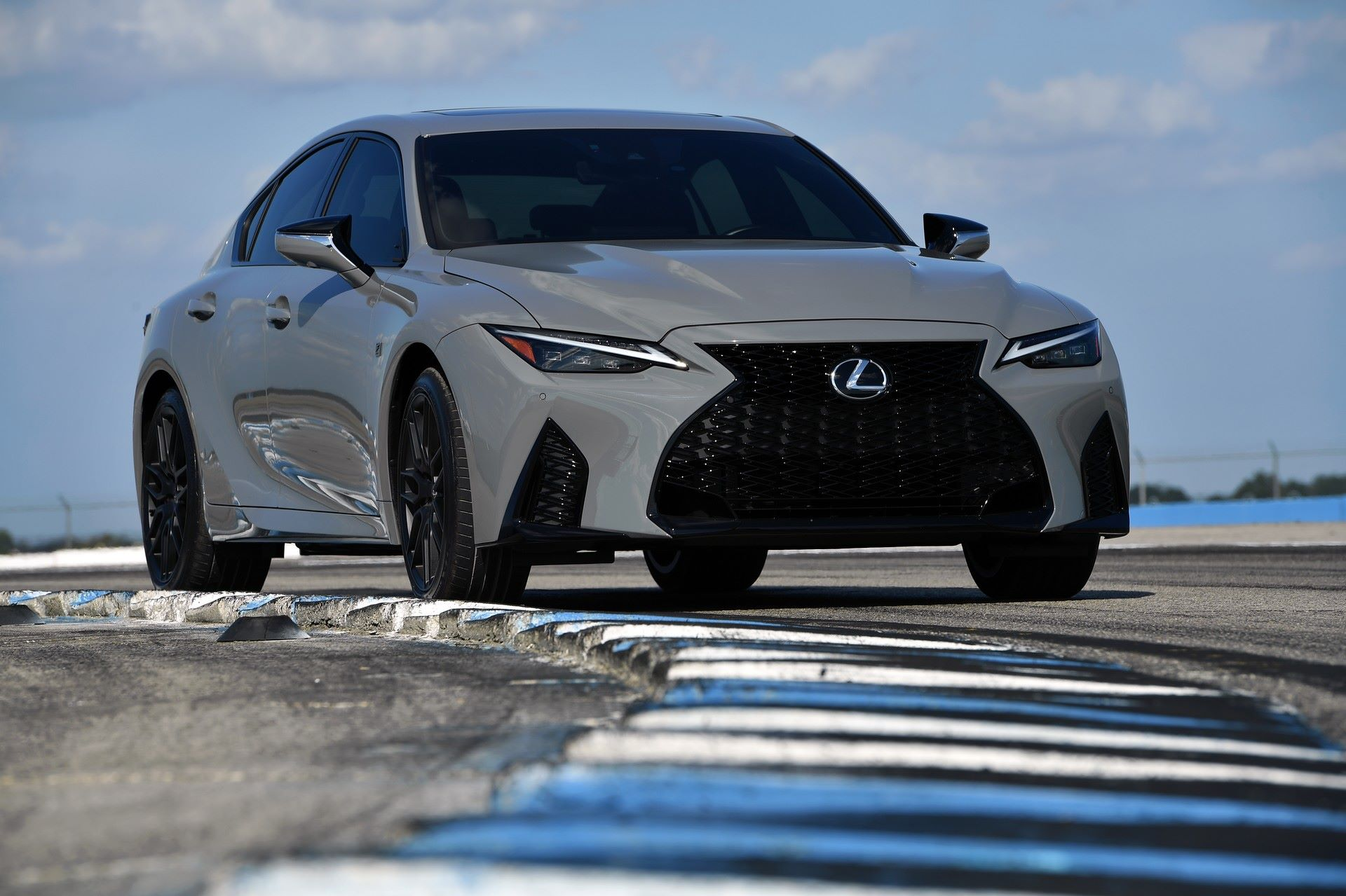 Lexus-IS-500-F-Sport-Performance-Launch-Edition-28