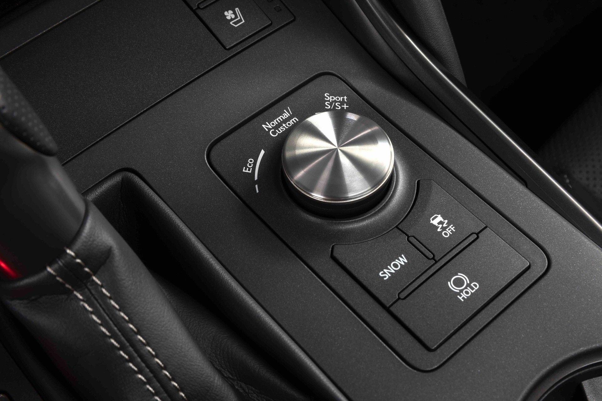2022_Lexus_IS_500_F_Sport-0036