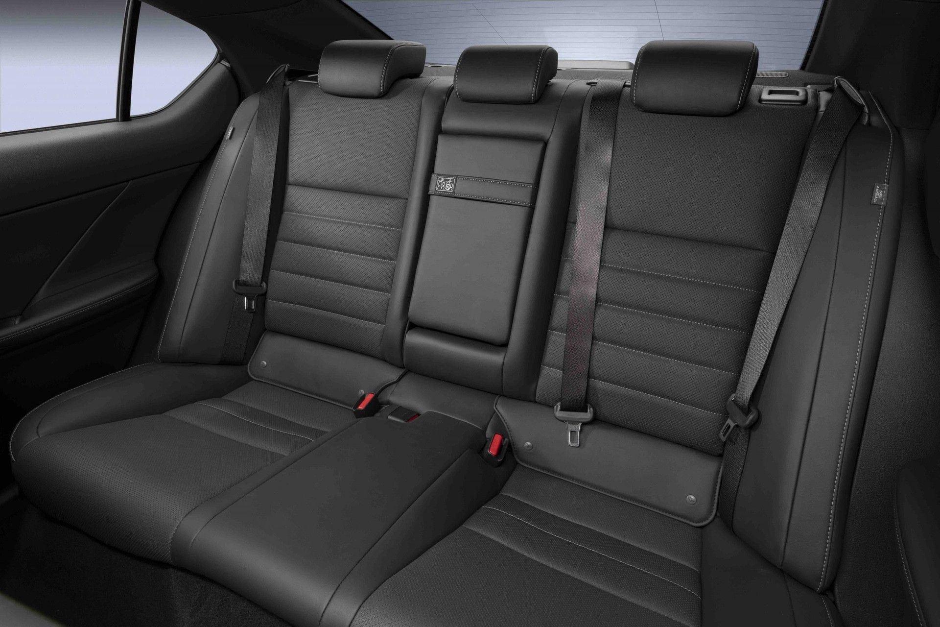 2022_Lexus_IS_500_F_Sport-0047