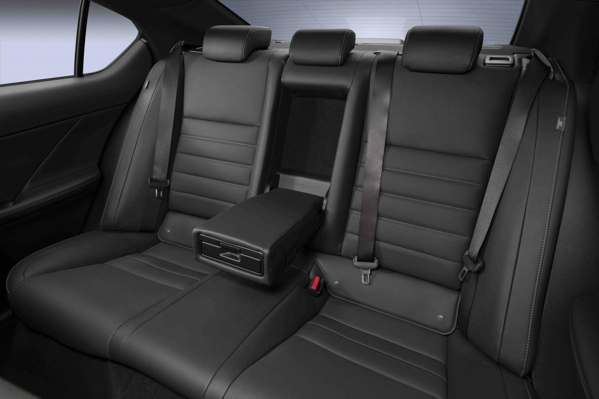 2022_Lexus_IS_500_F_Sport-0048