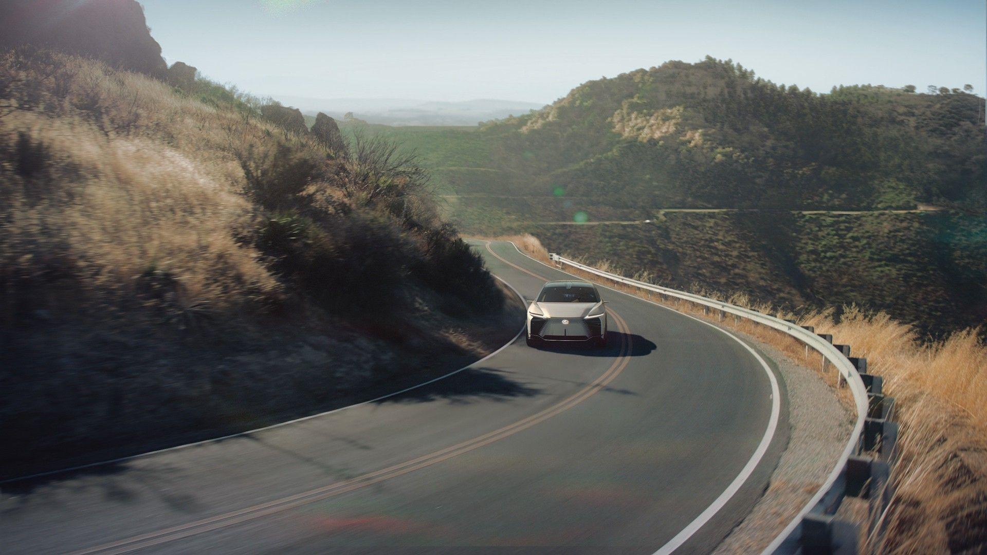 Lexus_LF-Z_0034