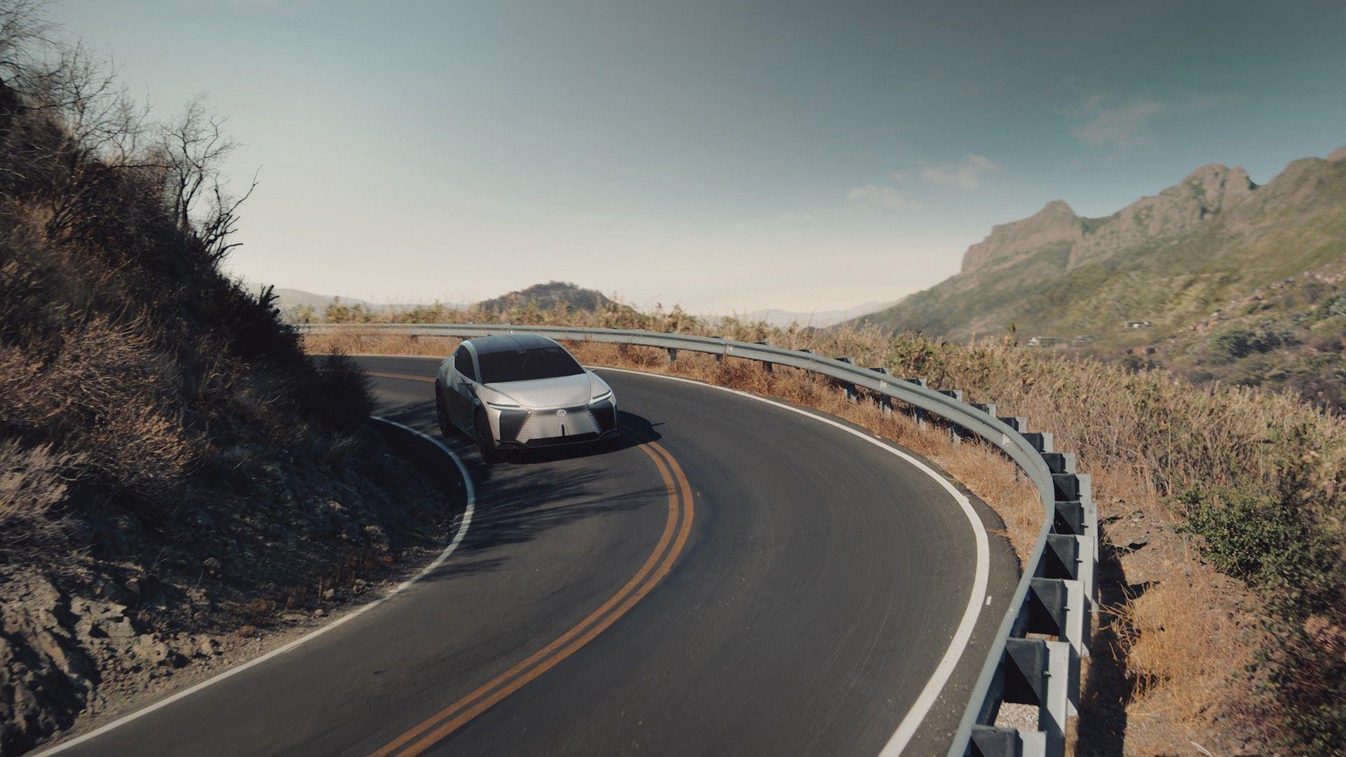 Lexus_LF-Z_0043