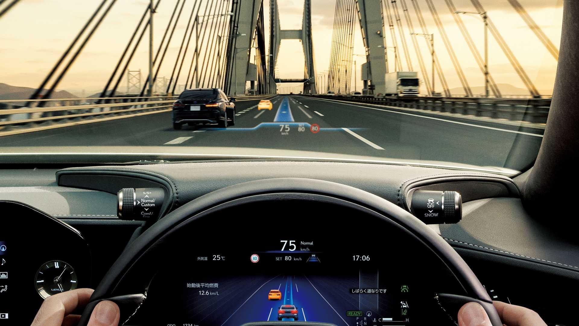 Lexus-LS-And-Toyota-Mirai-Advanced-Drive-24