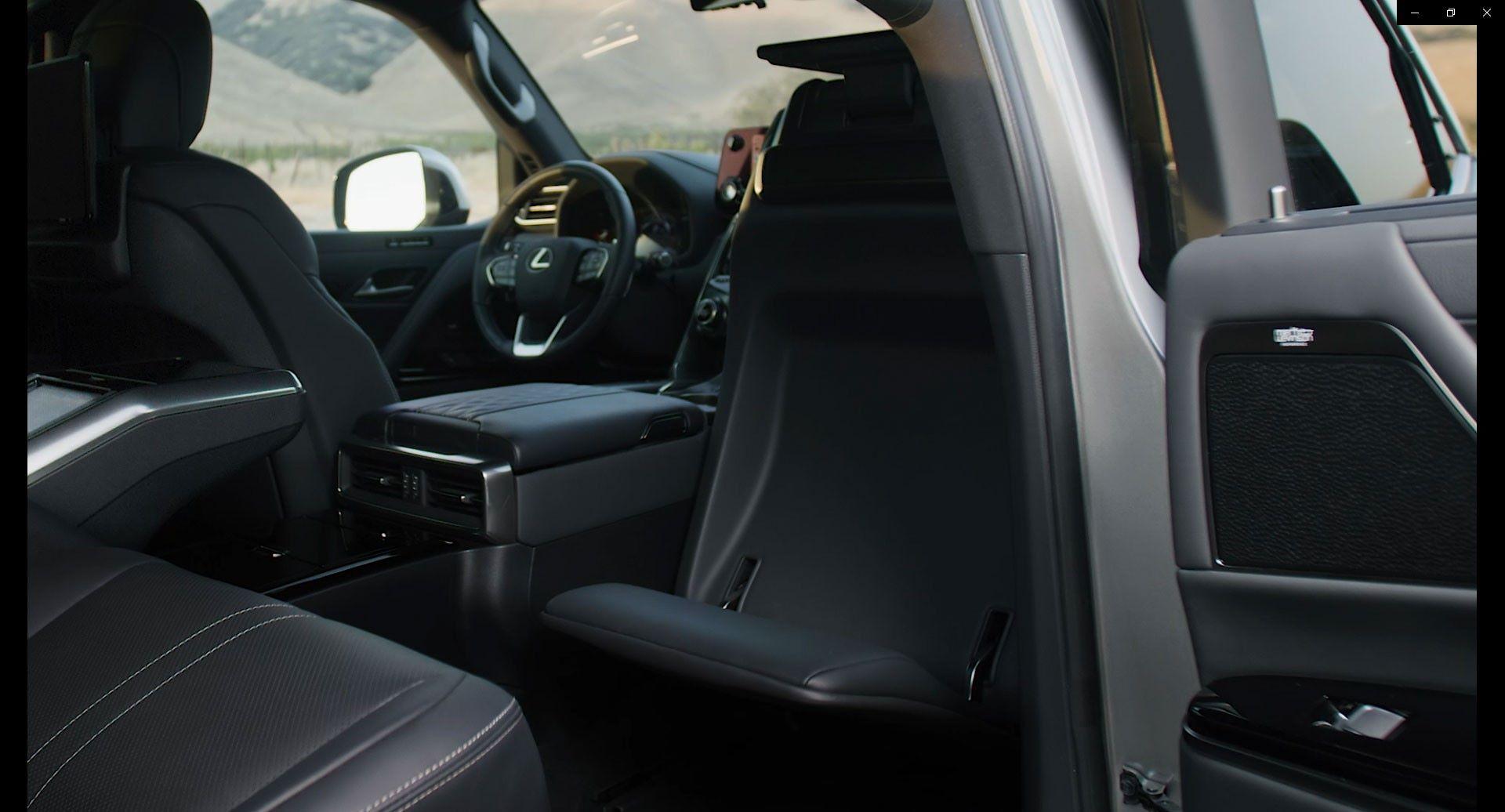 Lexus-LX-2021-26