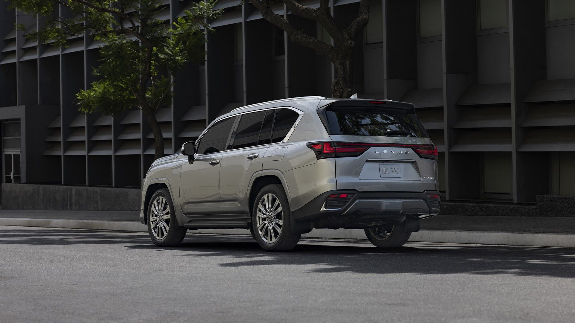 Lexus-LX-2021-6