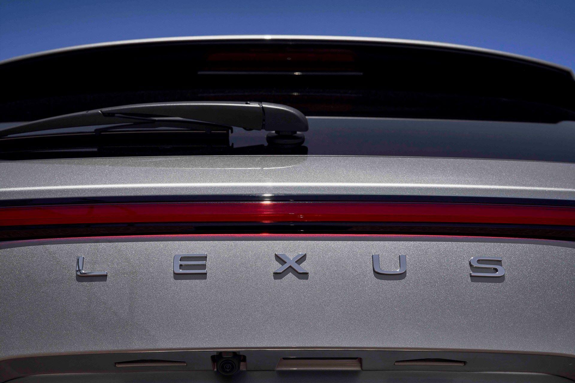 Lexus-NX-81