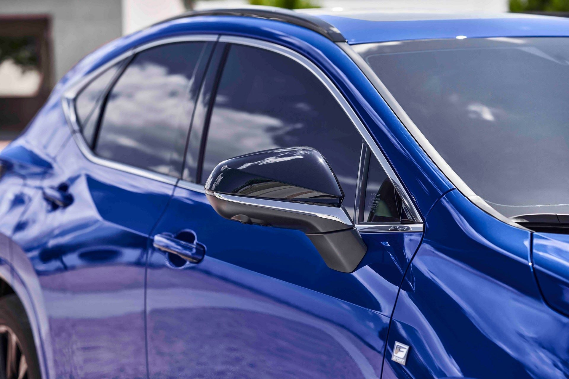 Lexus-NX-94