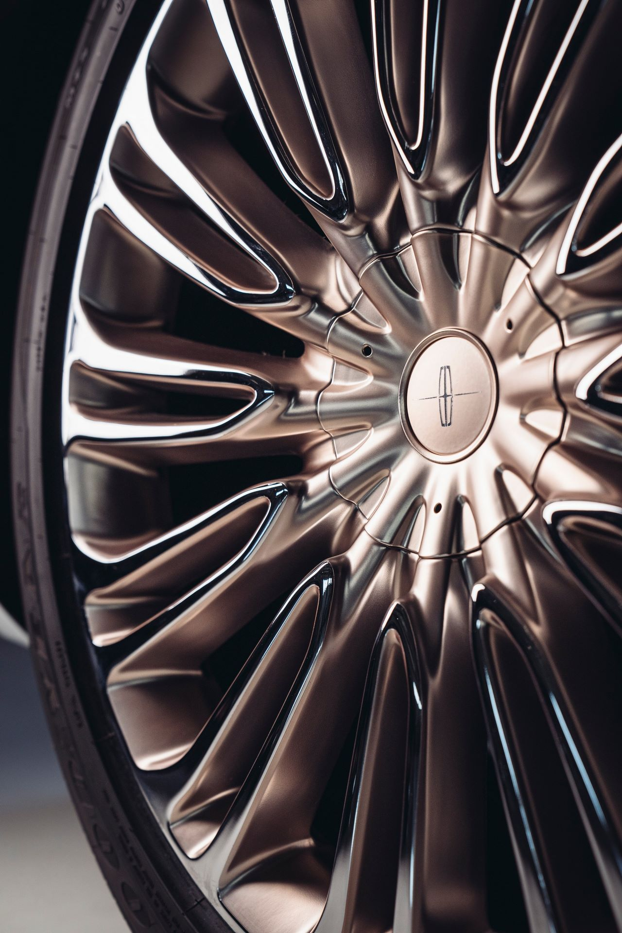 Lincoln-Aviator-Shinola-Concept-12