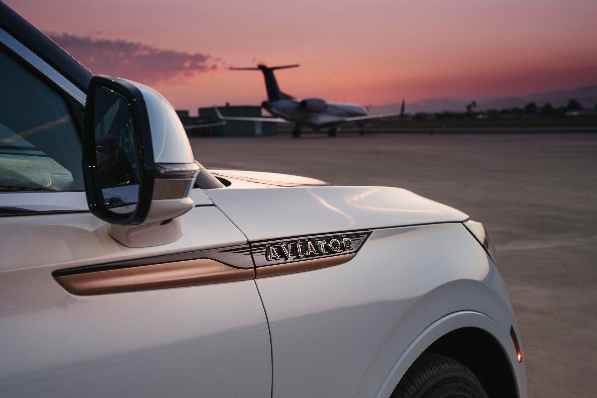 Lincoln-Aviator-Shinola-Concept-14